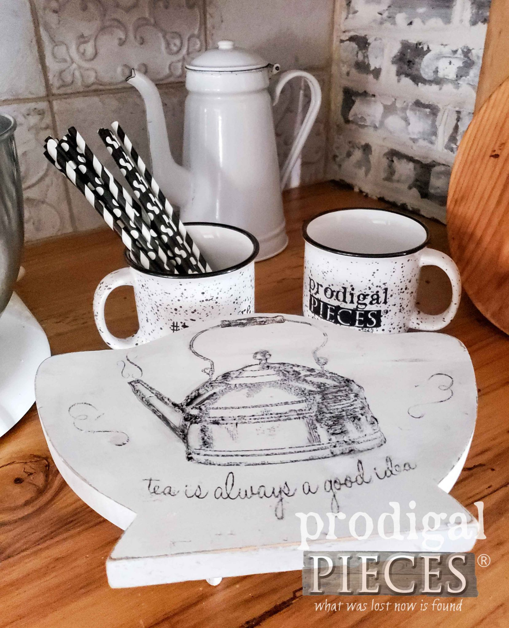 Farmhouse Style Trivet Riser for a Teapot in Kitchen Decor by Larissa of Prodigal Pieces | prodigalpieces.com #prodigalpieces #diy #home #farmhouse #homedecor