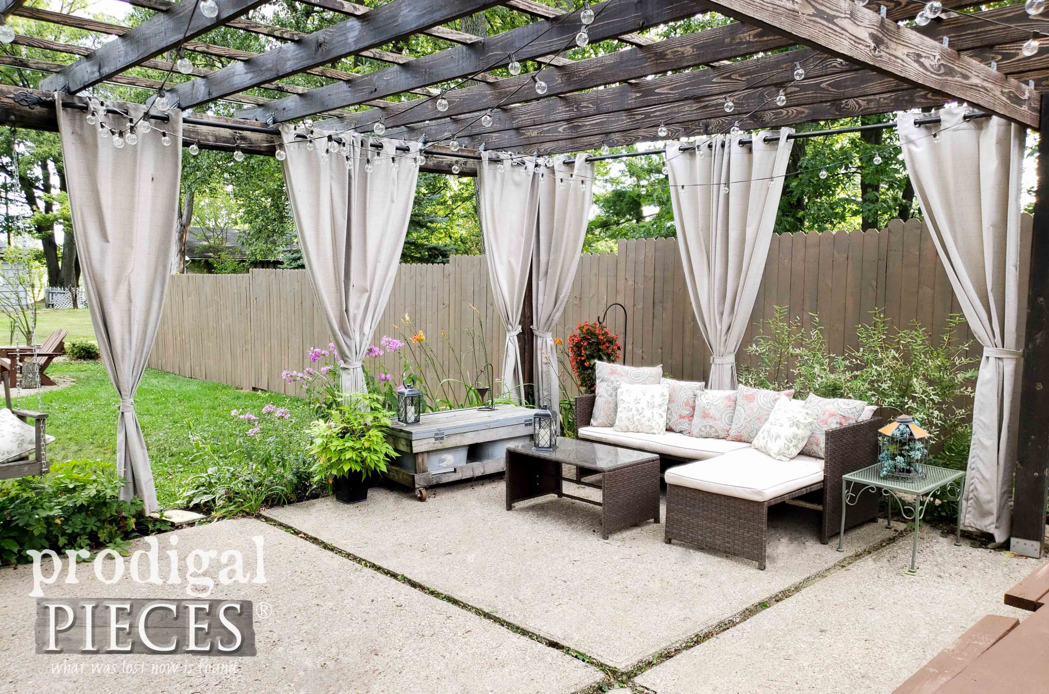 Patio with DIY Pergola and Privacy Fence by Larissa of Prodigal Pieces | prodigalpieces.com #prodigalpieces #diy #home #farmhouse #outdoor