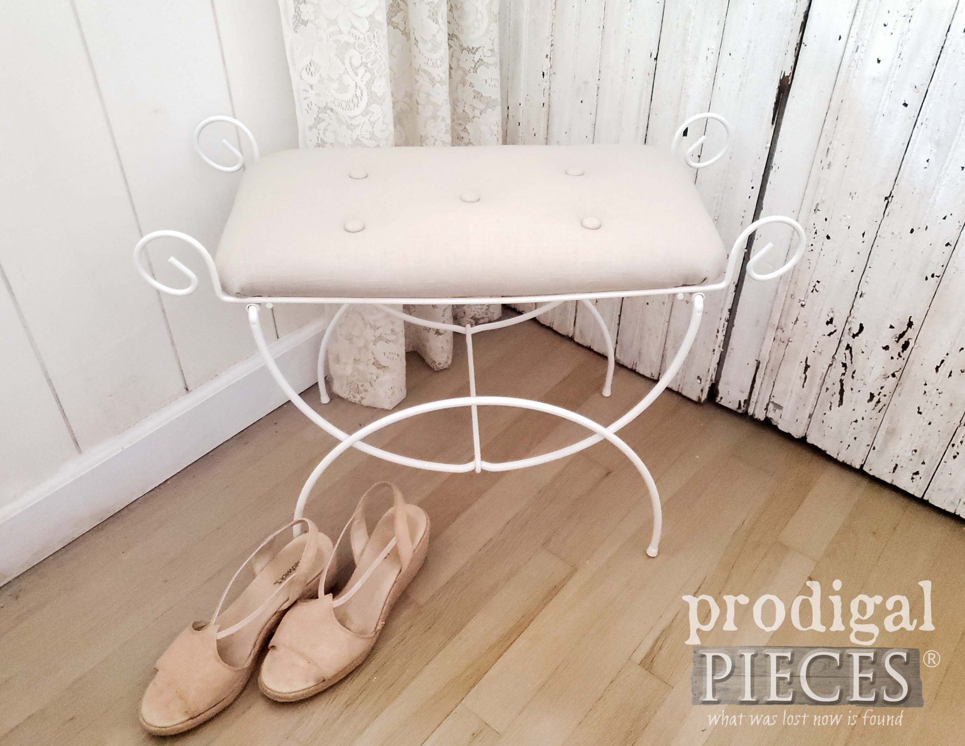 Vintage Wire Vanity Seat with Tufted Linen Upholstery by Larissa of Prodigal Pieces | prodigalpieces.com #prodigalpieces #diy #furniture #home #homedecor #farmhouse #linen