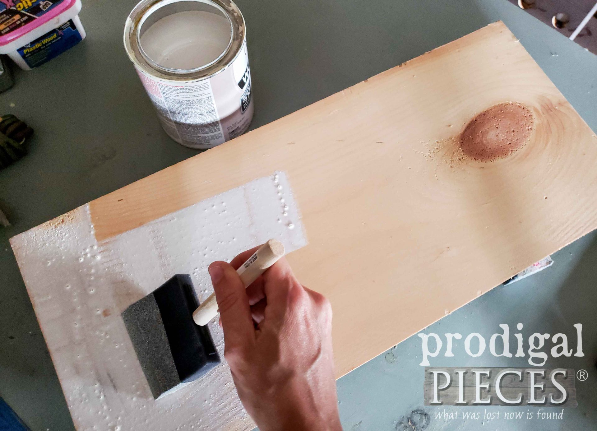 Applying Antique White Stain to Wood Board for DIY Farmhouse Sign | prodigalpieces.com