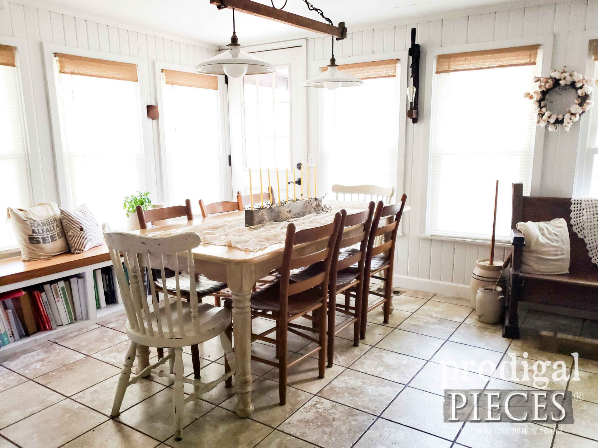 Farmhouse Style Dining Room with Upcycled Pallet Farmhouse Decor by Larissa of Prodigal Pieces | prodigalpieces.com #prodigalpieces #diningroom #farmhouse #home #homedecor