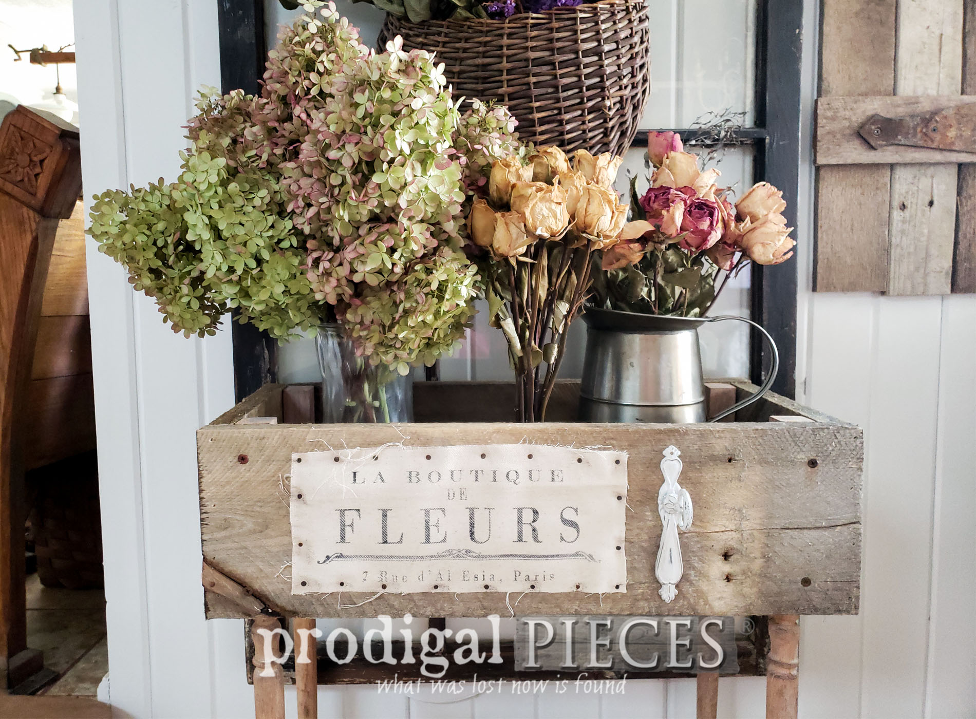 Featured Upcycled Pallet Farmhouse Decor by Larissa of Prodigal Pieces | prodigalpieces.com #prodigalpieces #diy #farmhouse #home #homedecor #kitchen #cottage