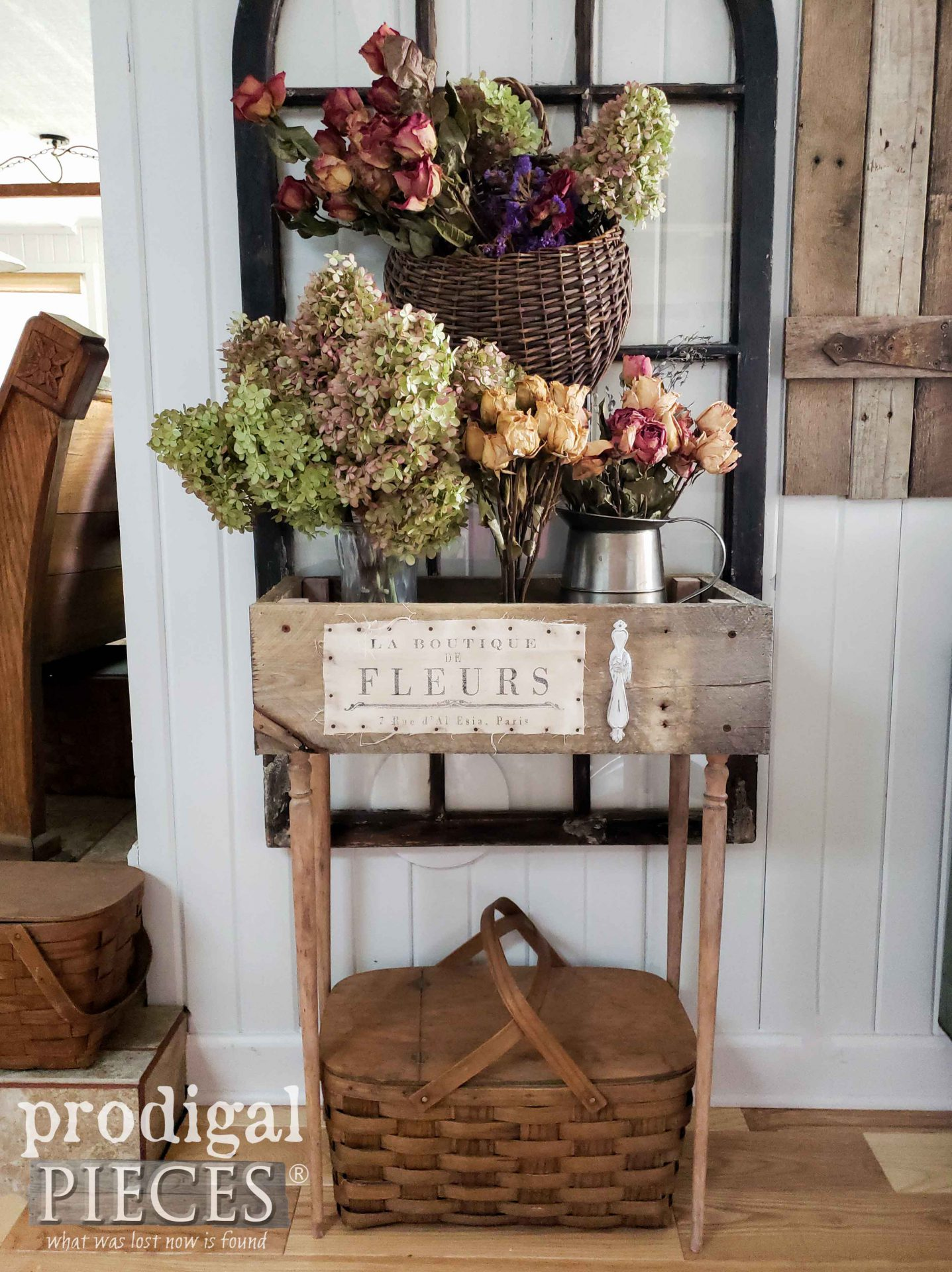 French Farmhouse Crate Table from Upcycled Pallet Farmhouse Decor by Larissa of Prodigal Pieces | prodigalpieces.com #prodigalpieces #farmhouse #diy #home #homedecor