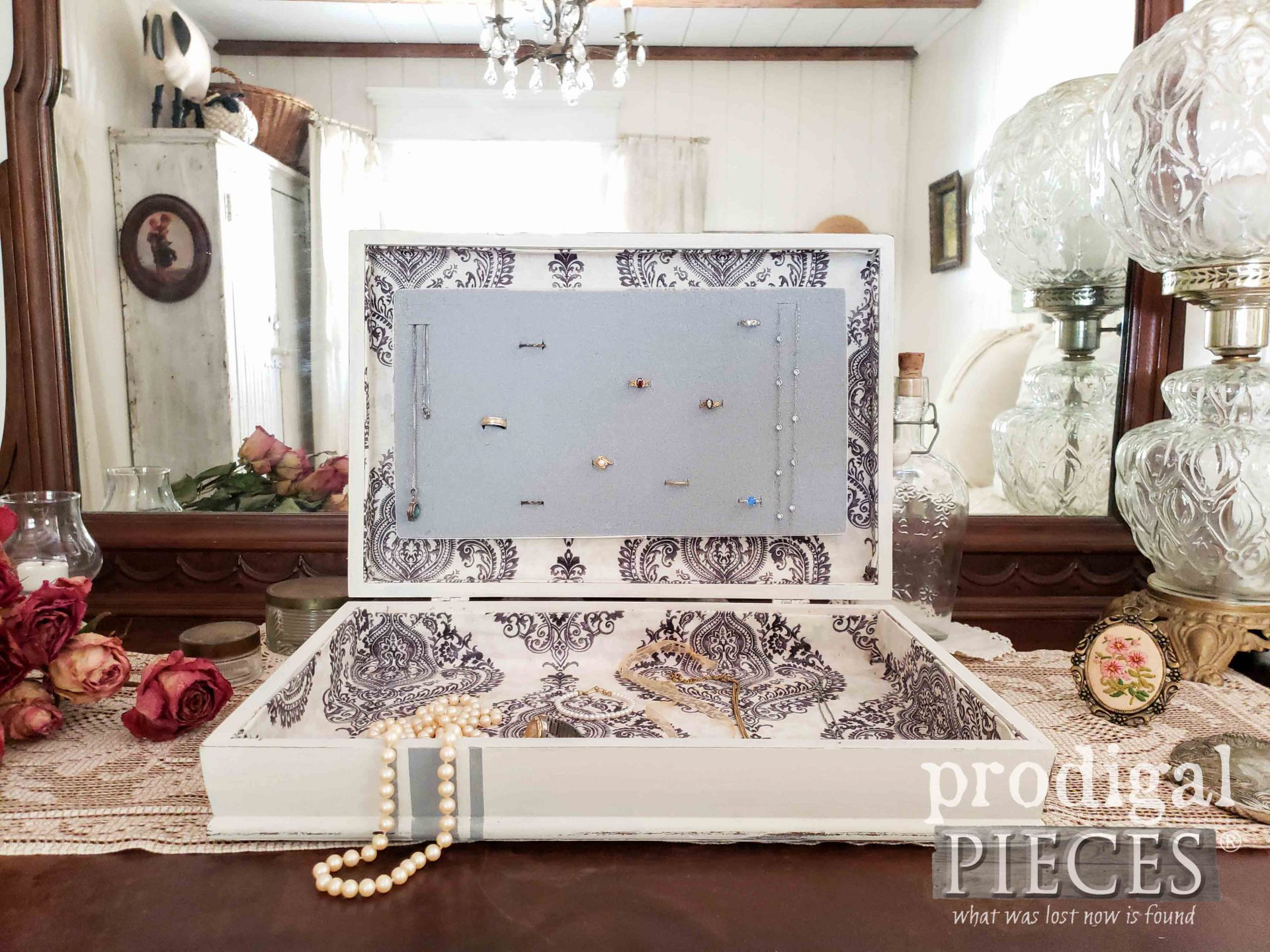 French Style Jewelry Box with Ring Holder by Prodigal Pieces | prodigalpieces.com #prodigalpieces #jewelry #home #homedecor
