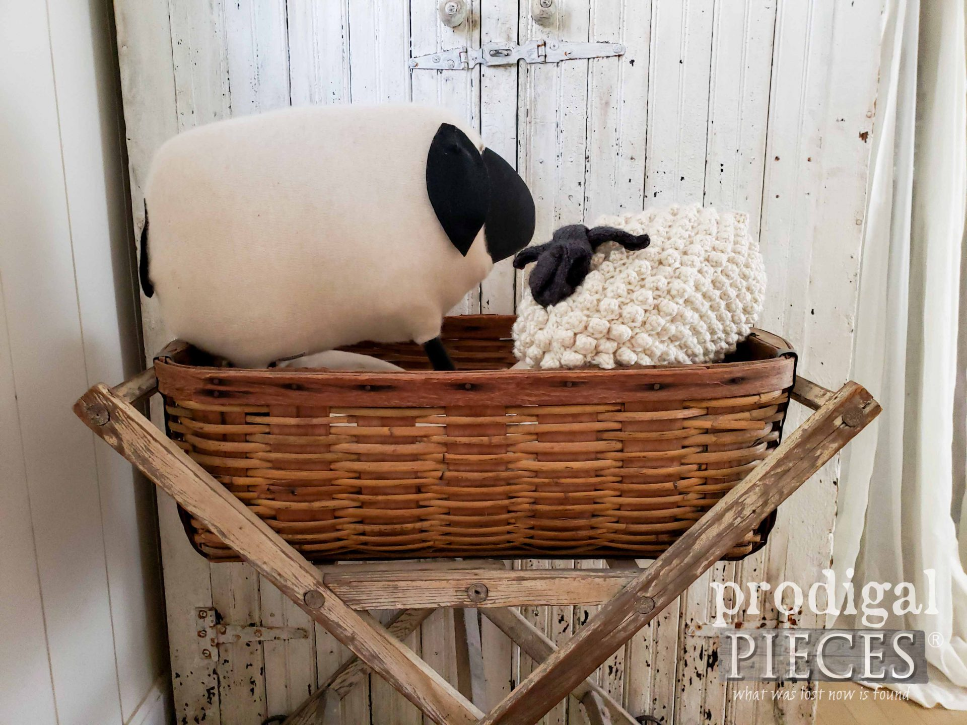 Handmade Woolly Sheep by Larissa of Prodigal Pieces | prodigalpieces.com #prodigalpieces #diy #home #homedecor #crafts #farmhouse