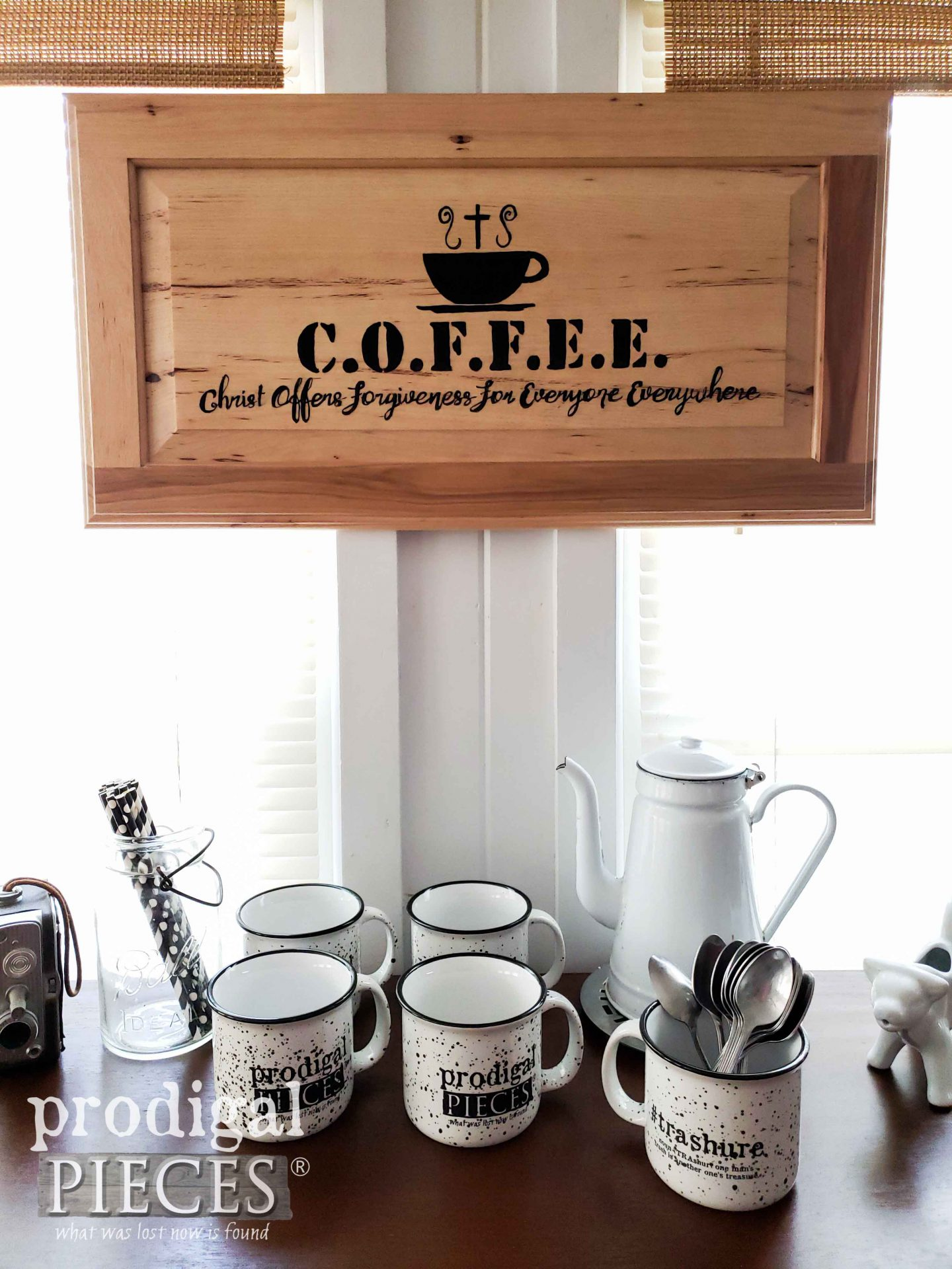 DIY Reclaimed Cupboard Door Coffee Sign by Larissa of Prodigal Pieces | prodigalpieces.com #prodigalpieces #handmade #home #coffee #farmhouse #homedecor