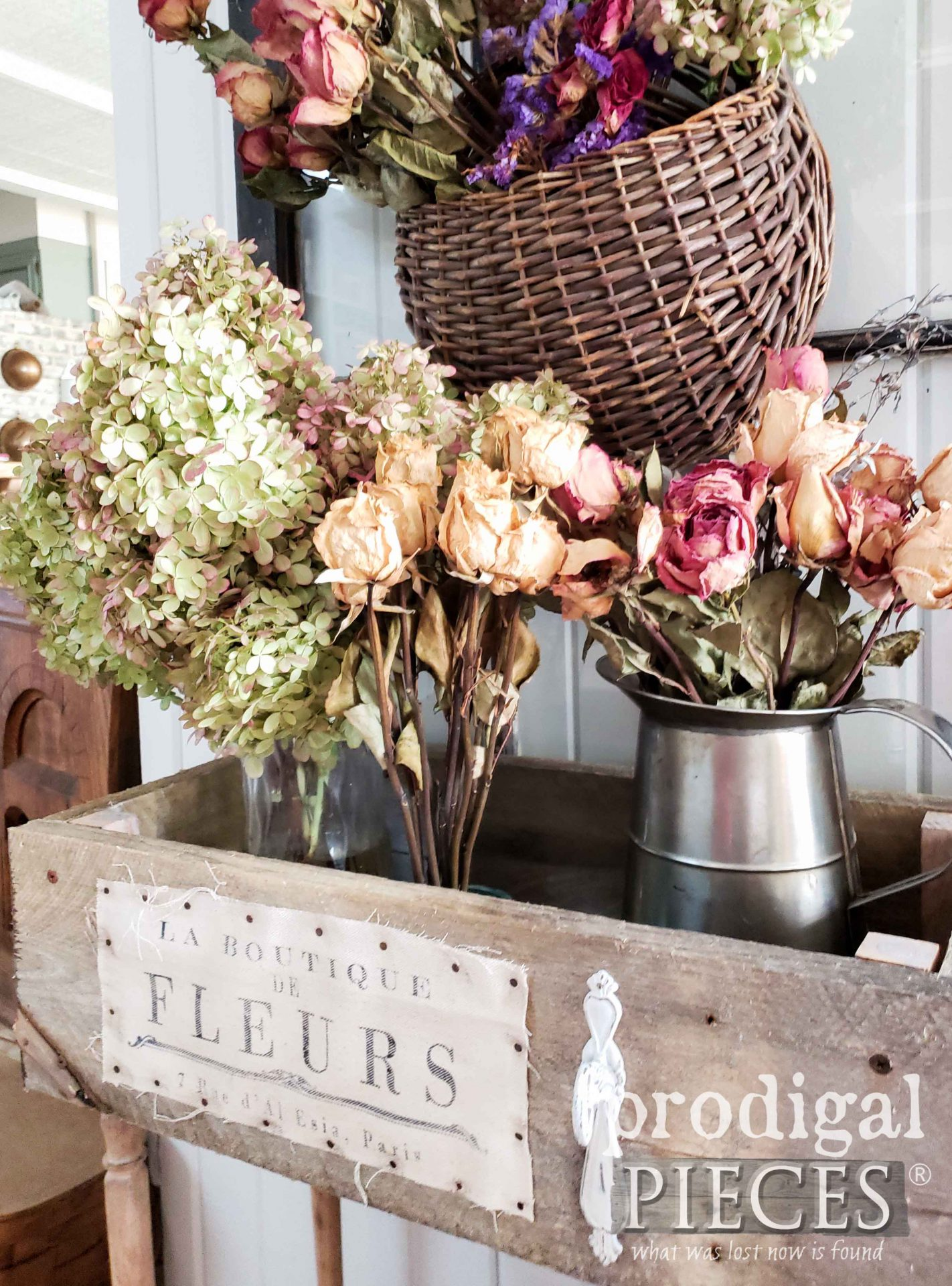 Rustic French Fleur Crate with Dried Florals by Larissa of Prodigal Pieces | prodigalpieces.com #prodigalpieces #flowers #farmhouse #home #handmade #homedecor
