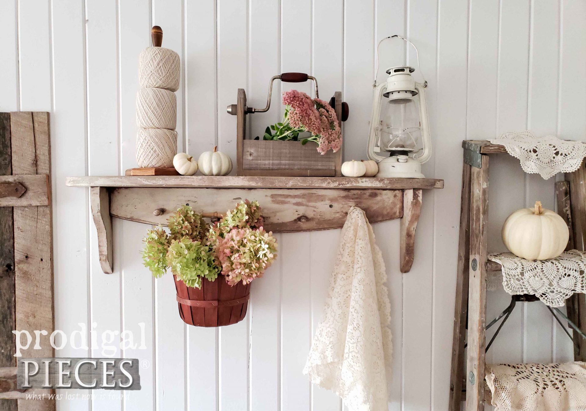 Simple Farmhouse Autumn Decor made from thrifted finds by Larissa of Prodigal Pieces | prodigalpieces.com #prodigalpieces #farmhouse #home #homedecor #fall