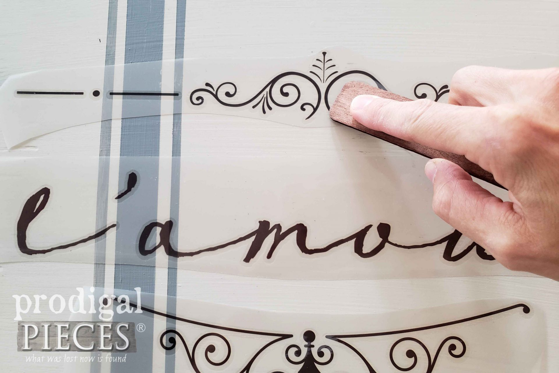 Burnishing French Graphic Transfer to DIY Jewelry Box | prodigalpieces.com