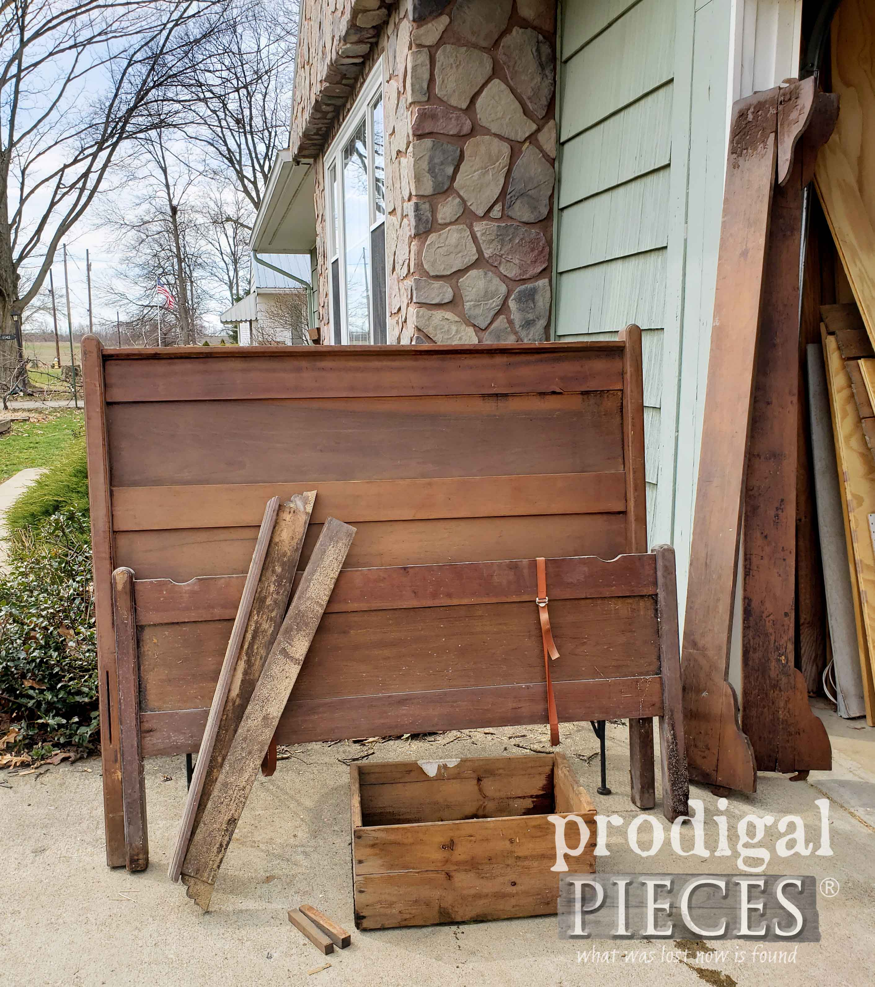 Antique Full Size Bed found Curbside (aka. #Trashure) by Larissa of Prodigal Pieces | prodigalpieces.com #prodigalpieces