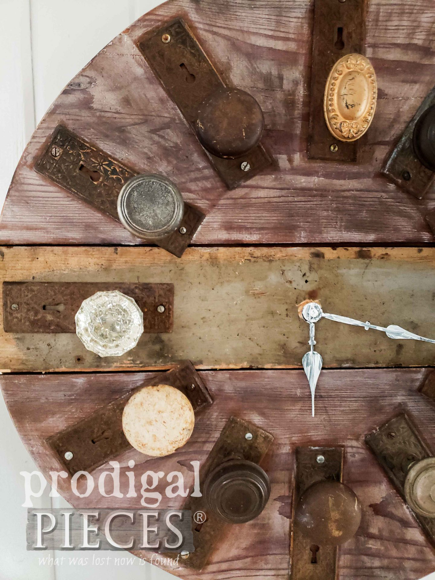 Reclaimed Clock Made with Antique Door Knobs by Larissa of Prodigal Pieces | prodigalpieces.com #prodigalpieces #handmade #home #industrial #farmhouse #homedecor