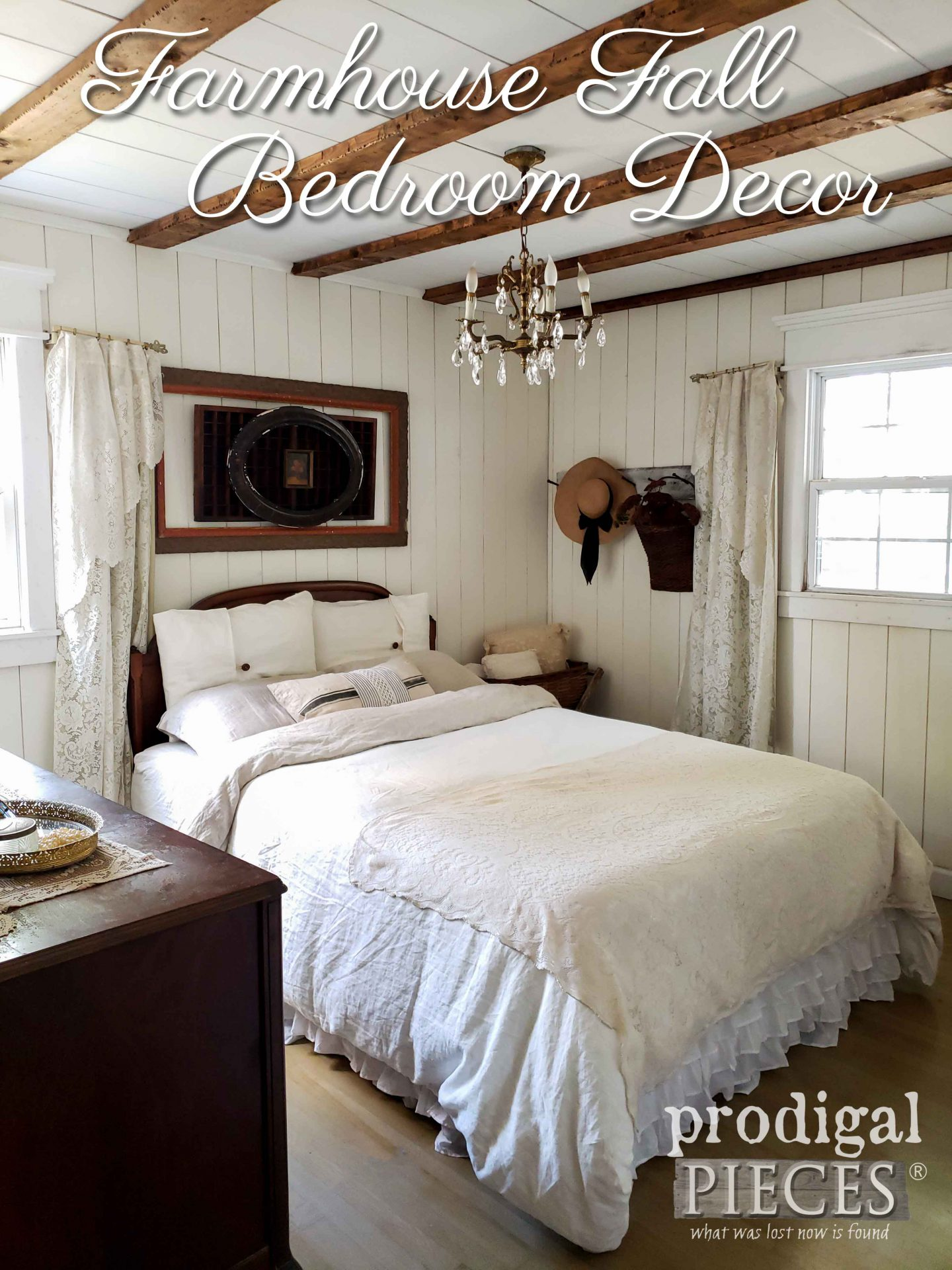 Create your own cozy sanctuary for the autumn season with farmhouse fall bedroom decor | by Prodigal Pieces | prodigalpieces.com #prodigalpieces #diy #farmhouse #bedroom #home #homedecor #fall