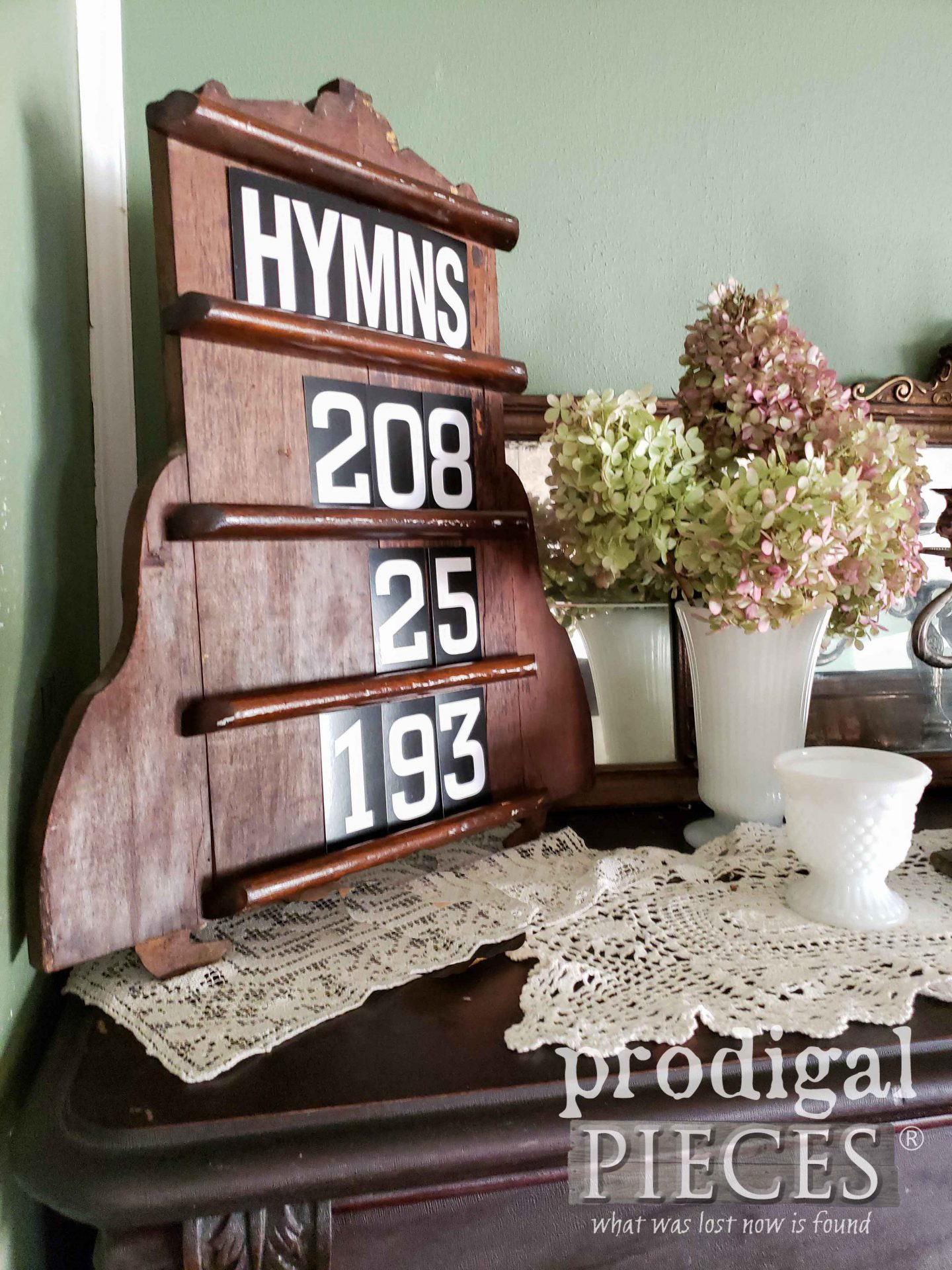 Reclaimed Wood Hymn Board made of salvaged parts by Larissa of Prodigal Pieces | prodigalpieces.com #prodigalpieces #reclaimed #farmhouse #home #homedecor