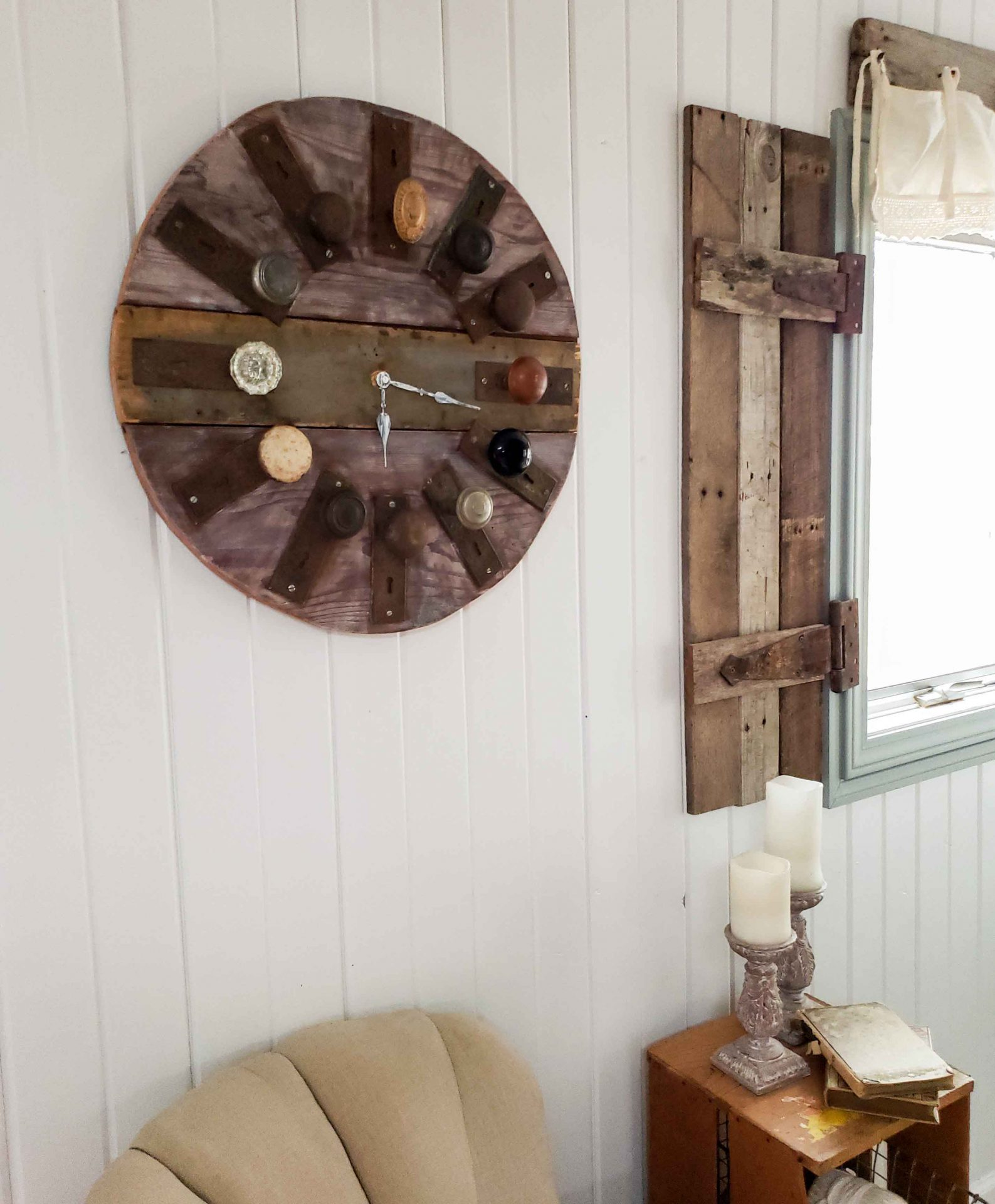 Rustic Farmhouse Handmade Wall Clock for Architectural Salvage by Larissa of Prodigal Pieces | prodigalpieces.com #prodigalpieces #handmade #home #farmhouse #homedecor #industrial
