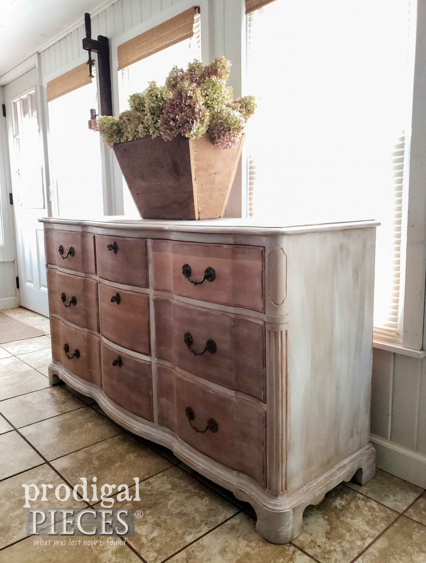 Side View Vintage Serpentine Dresser by Larissa of Prodigal Pieces | prodigalpieces.com #prodigalpieces #furniture #diy #home #homedecor #farmhouse