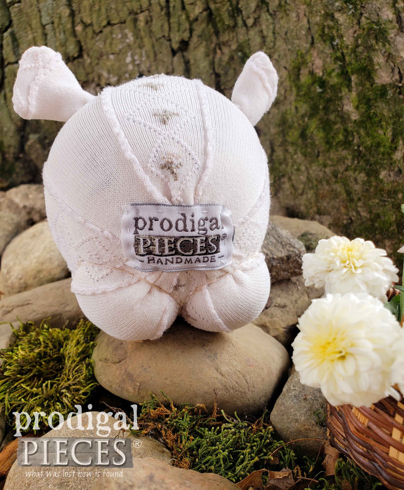 Sock Pig Behind by Larissa of Prodigal Pieces | prodigalpieces.com #prodigalpieces #handmade #doll #sewing