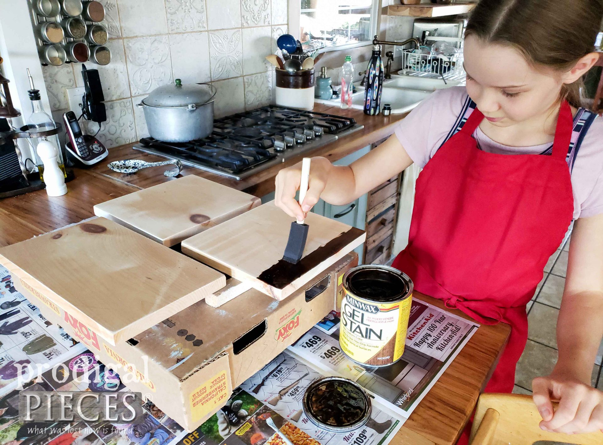 Staining Wood Boards for Fall Pumpkin Button Art | prodigalpieces.com