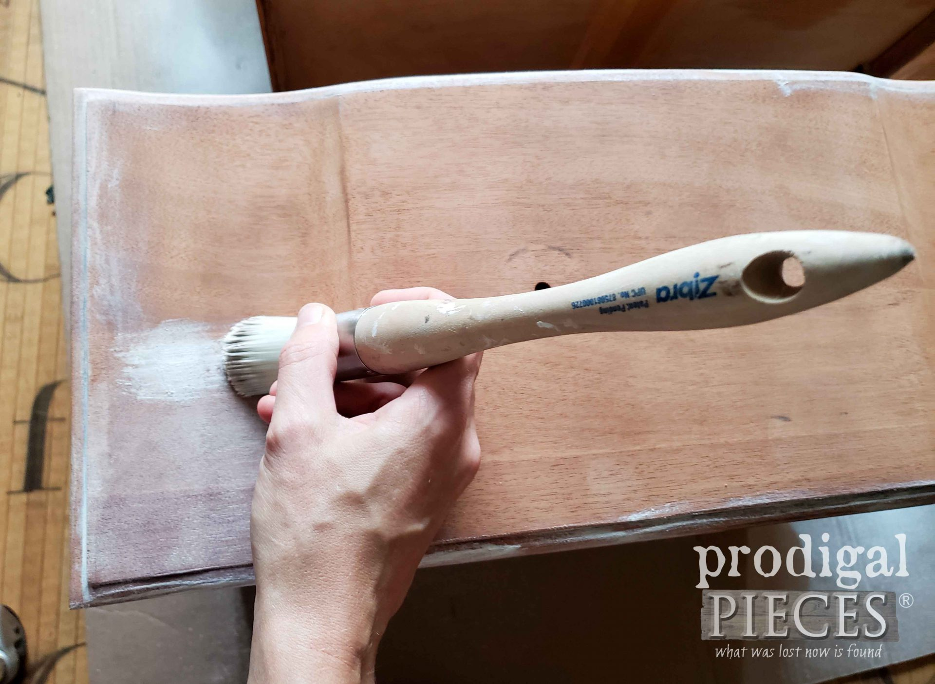 Waxing Mahogany Drawers with White Wax | prodigalpieces.com #prodigalpieces