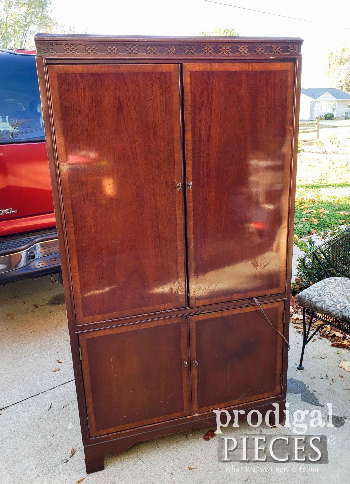 Vintage Entertainment Center Before Upcycle by Larissa of Prodigal Pieces | prodigalpieces.com #prodigalpieces