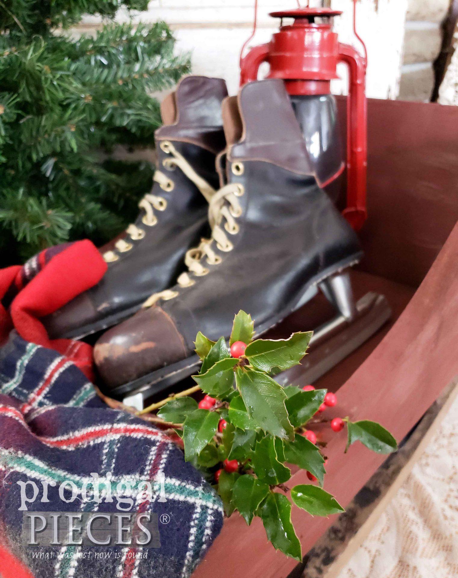 DIY Farmhouse Christmas Decor by Larissa of Prodigal Pieces | prodigalpieces.com #prodigalpieces #farmhouse #christmas #vintage