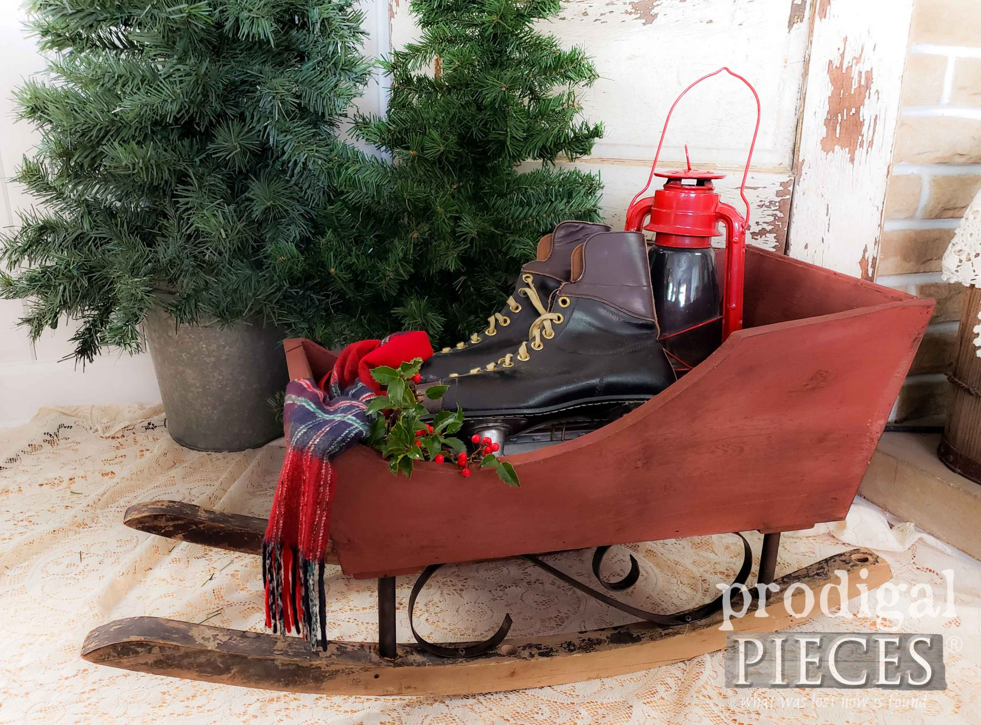 Farmhouse Christmas Sleigh created by Larissa of Prodigal Pieces from Upcycled Parts | prodigalpieces.com #prodigalpieces #farmhouse #christmas #home #homedecor