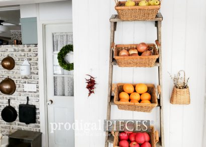 Featured Upcycled Broken Ladder turned Farmhouse Decor | Video Home Decor Tour at Prodigal Pieces | prodigalpieces.com #prodigalpieces #farmhouse #diy #home #homedecor