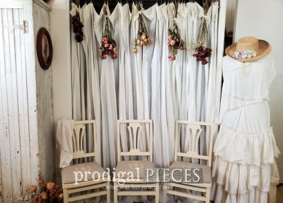 Featured Vintage Folding Chairs Made French Farmhouse Style by Larissa of Prodigal Pieces | prodigalpieces.com #prodigalpieces #furniture #home #homedecor #farmhouse #french #vintage