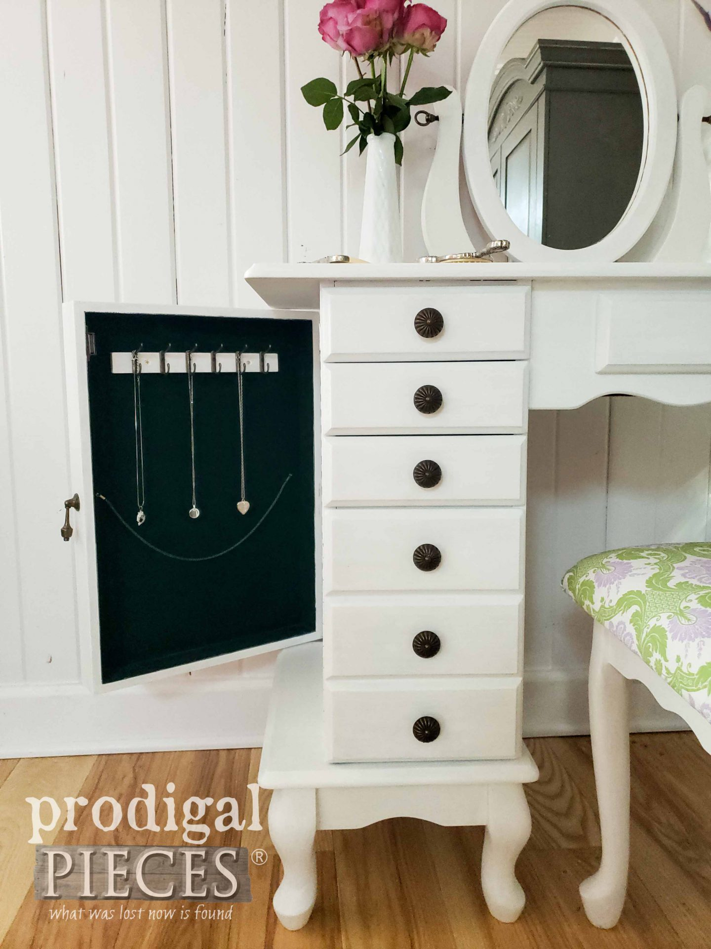 Vintage Girls Vanity in White with Jewelry Storage by Prodigal Pieces | prodigalpieces.com #prodigalpieces #diy #home #girls #homedecor #bedroom