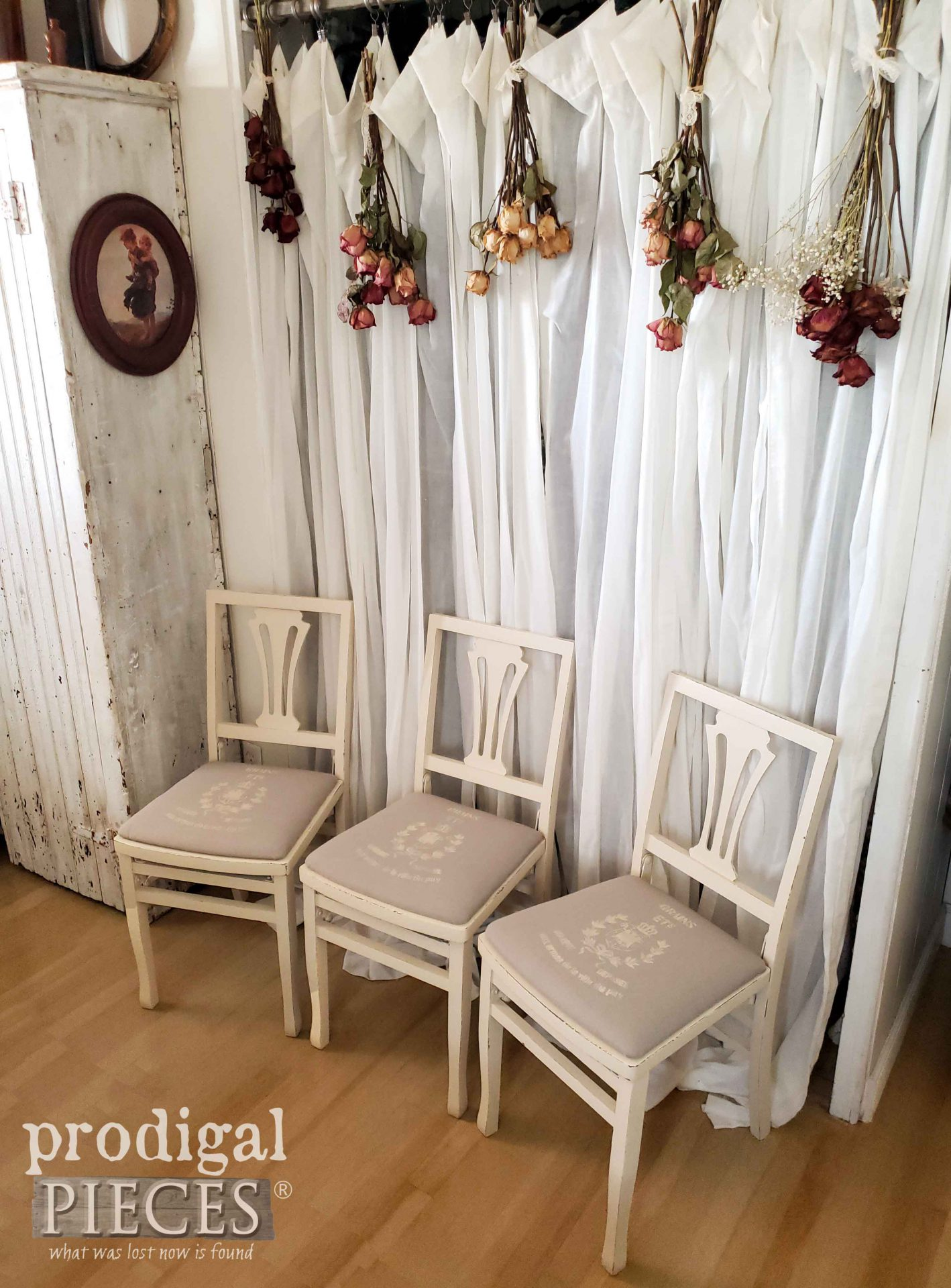 Set of 3 Grain Sack Folding Chairs by Prodigal Pieces | prodigalpieces.com #prodigalpieces #diy #home #furniture #homedecor #farmhouse #vintage