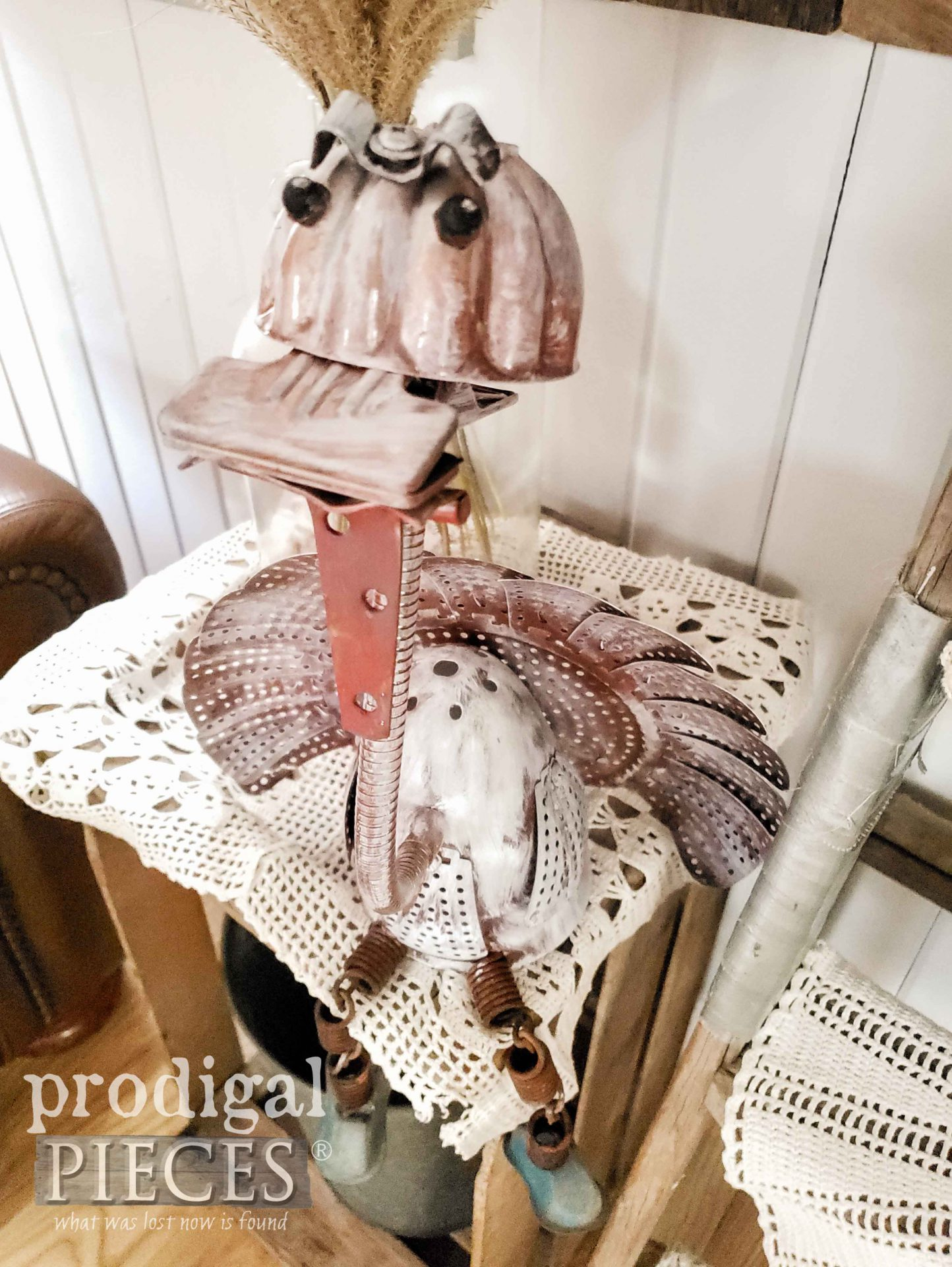 Handmade Metal Turkey Sculpture Created from Salvaged Junk by Larissa of Prodigal Pieces | prodigalpieces.com #prodigalpieces #handmade #home #art #homedecor #artist #farmhouse