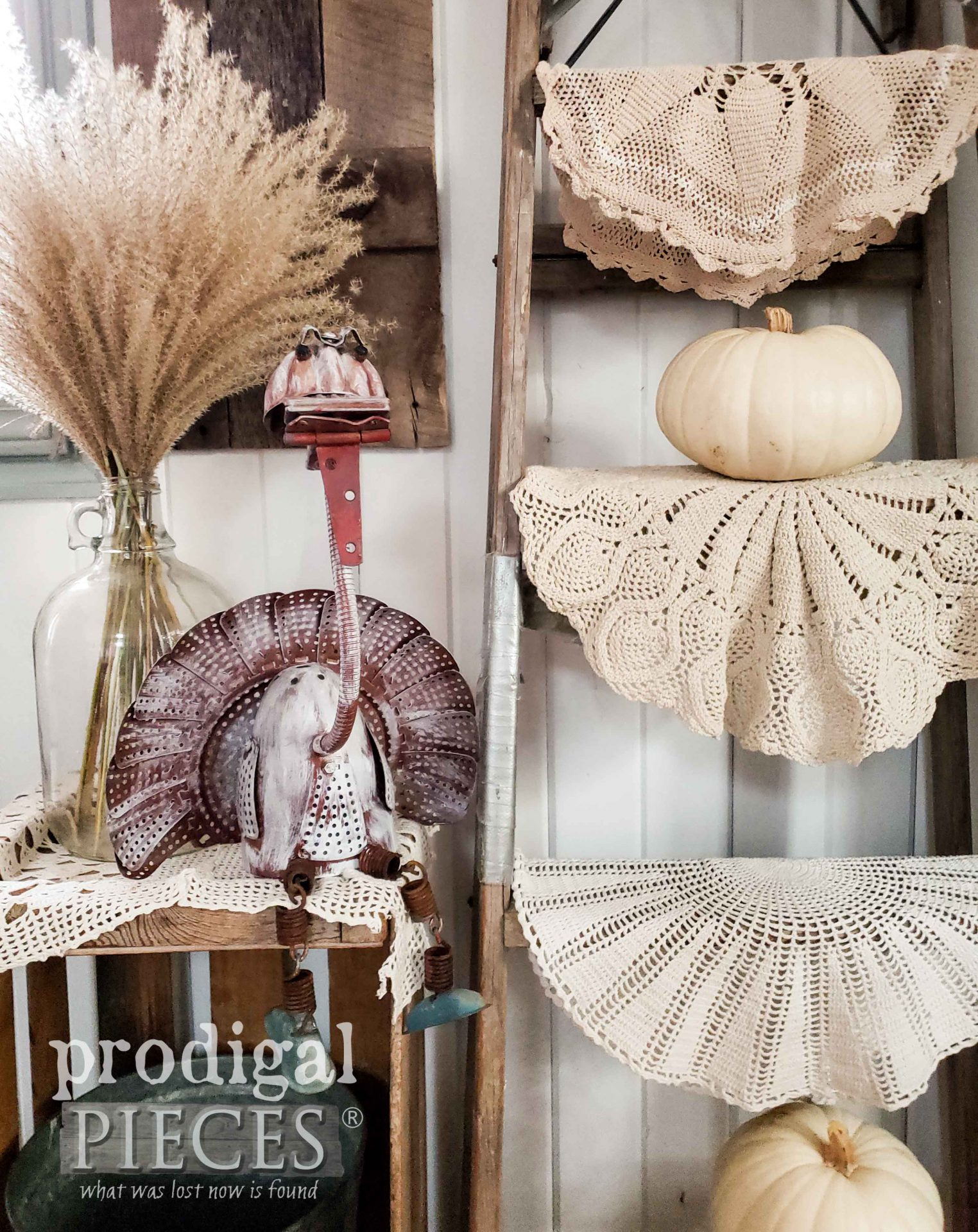 Adorable Metal Art Thanksgiving Turkey Sculpture Created by Larissa of Prodigal Pieces | prodigalpieces.com #prodigalpieces #art #artist #farmhouse #home #homedecor #thanksgiving