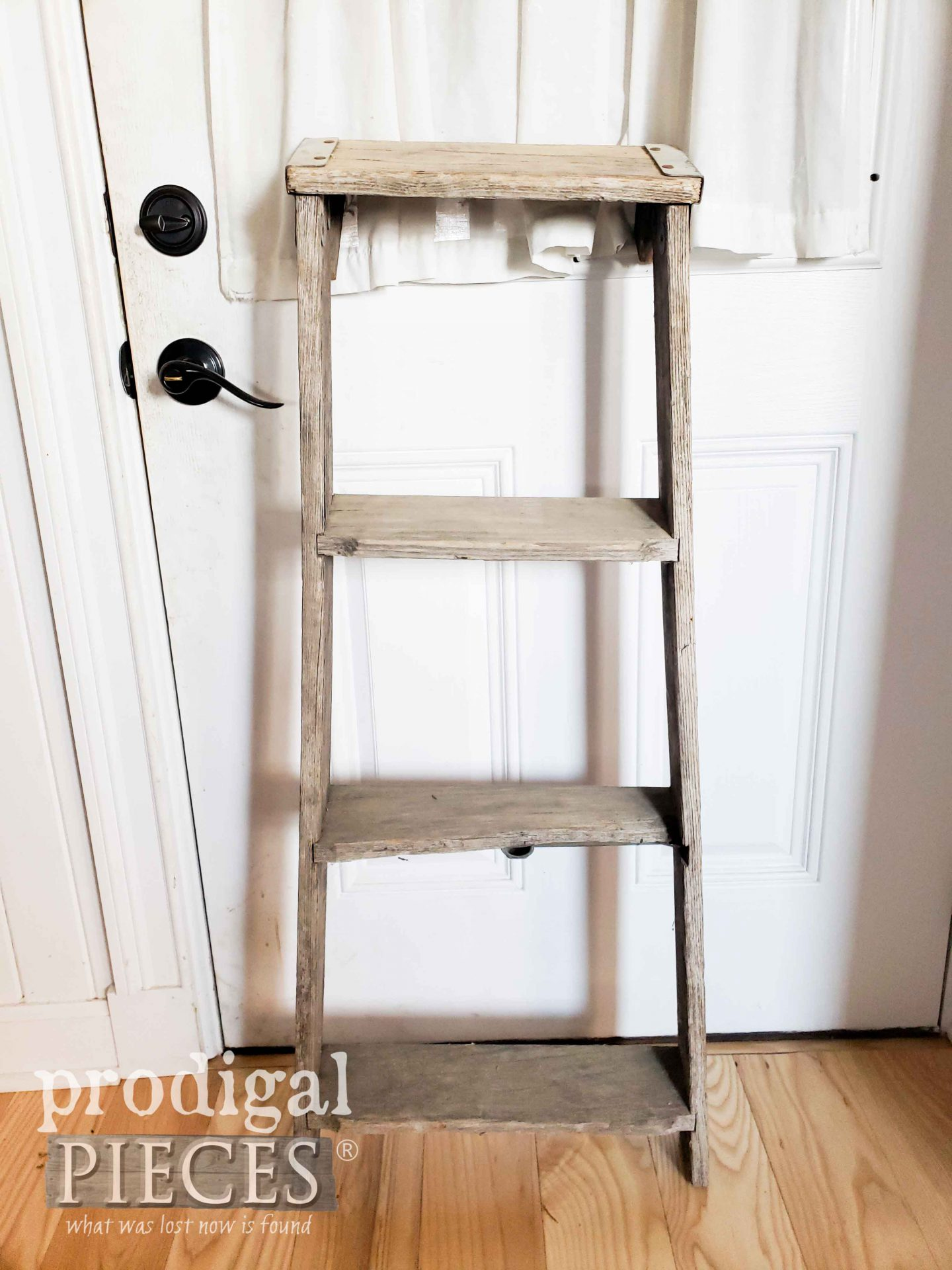 Old Broken Ladder for Upcycled Farmhouse Decor by Larissa of Prodigal Pieces | prodigalpieces.com