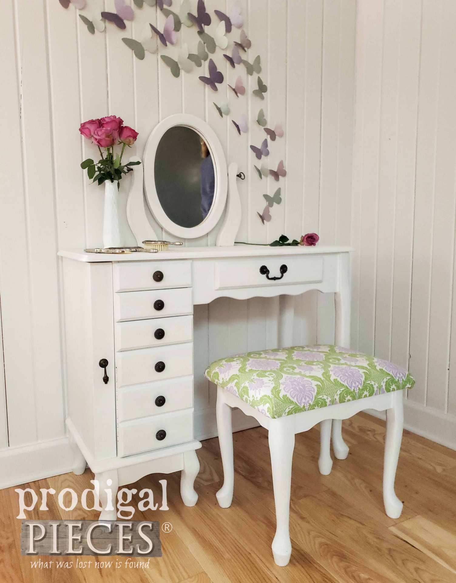 Absolutely beautiful vintage girls vanity table refinished in white with new upholstery by Prodigal Pieces | prodigalpieces.com #prodigalpieces #diy #home #homedecor #vintage #girls