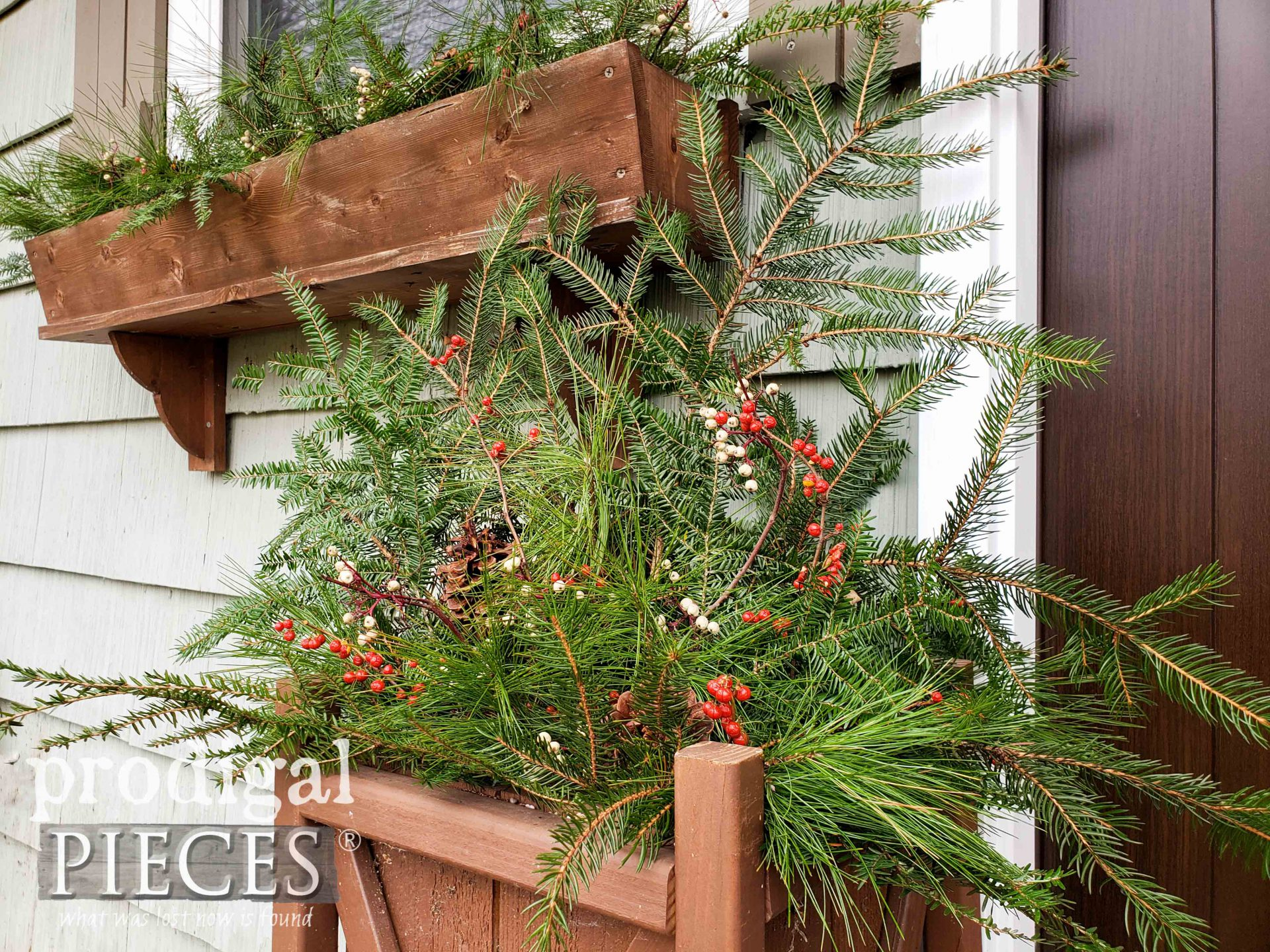 Rustic Farmhouse Christmas Planter from Fresh Foraged Greens & Berries by Larissa of Prodigal Pieces | prodigalpieces.com #prodigalpieces #christmas #home #diy #farmhouse #garden #homedecor #holiday #winter