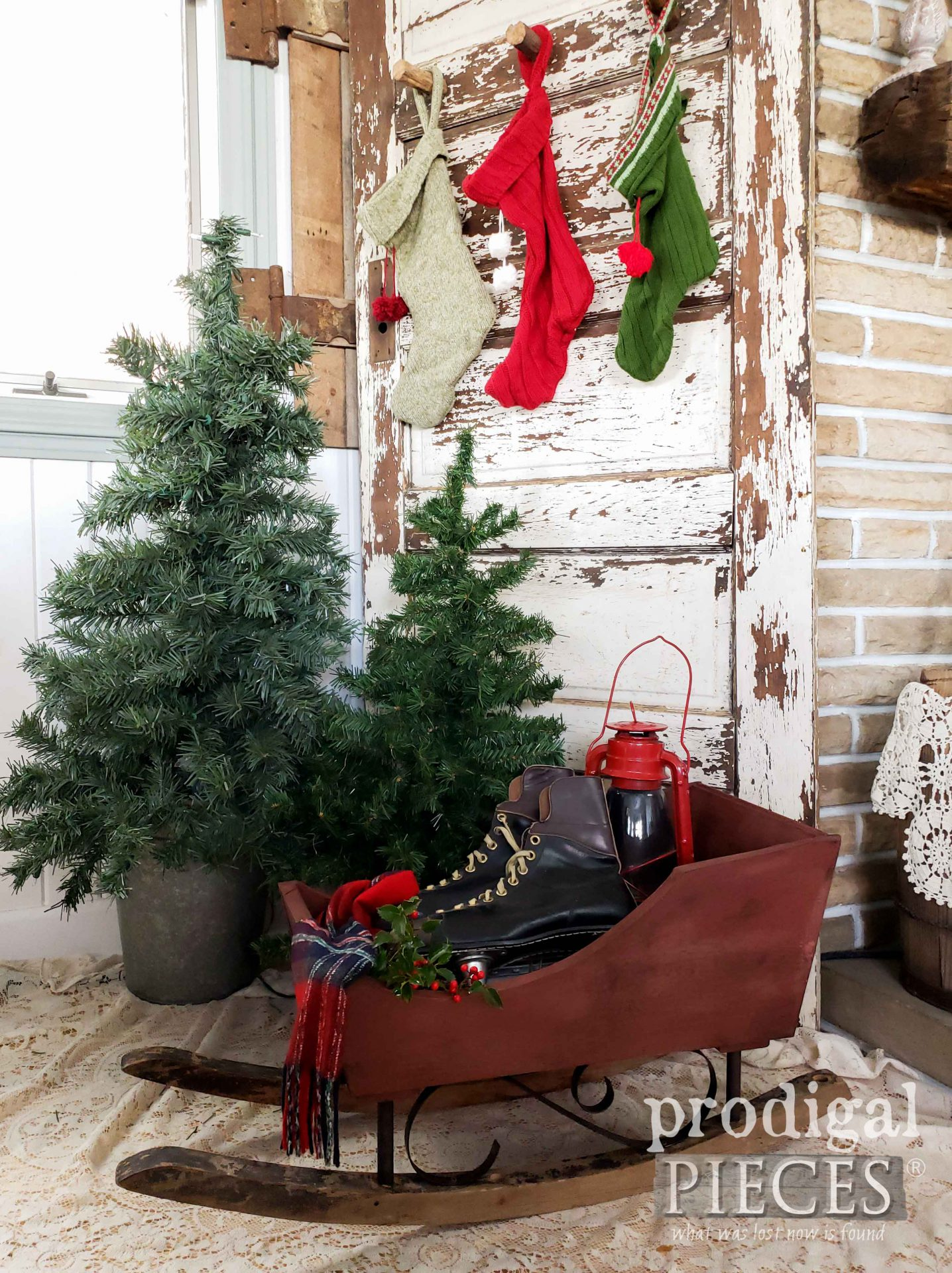 Rustic Farmhouse Christmas Sleigh built by Larissa of Prodigal Pieces out of Salvaged Parts | Details at prodigalpieces.com #prodigalpieces #diy #woodworking #tools #farmhouse #christmas #home #homedecor #handmade