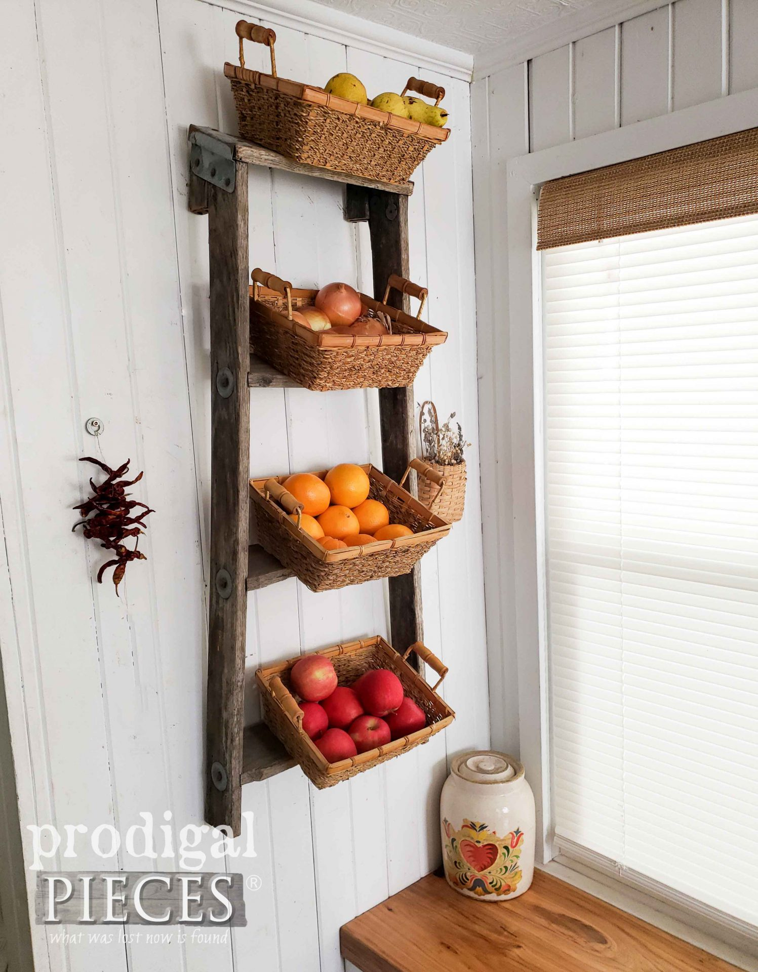 Old Broken Ladder Turned Produce Storage for Farmhouse Kitchen Decor by Larissa of Prodigal Pieces | prodigalpieces.com #prodigalpieces #diy #farmhouse #kitchen #homedecor #storage