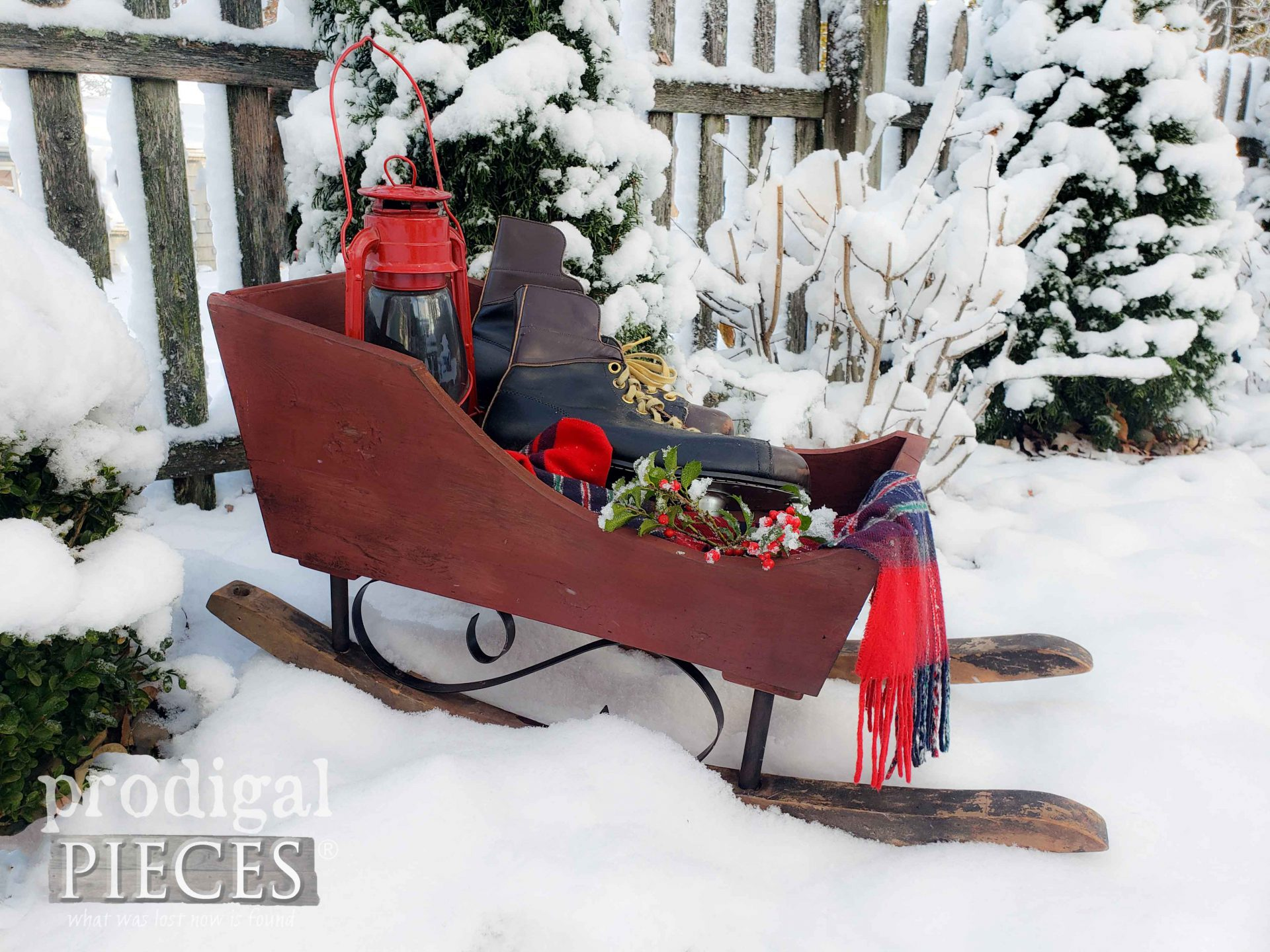 Snowy Christmas Holiday Decor for Farmhouse Style by Larissa of Prodigal Pieces | prodigalpieces.com #prodigalpieces #diy #farmhouse #home #christmas #homedecor