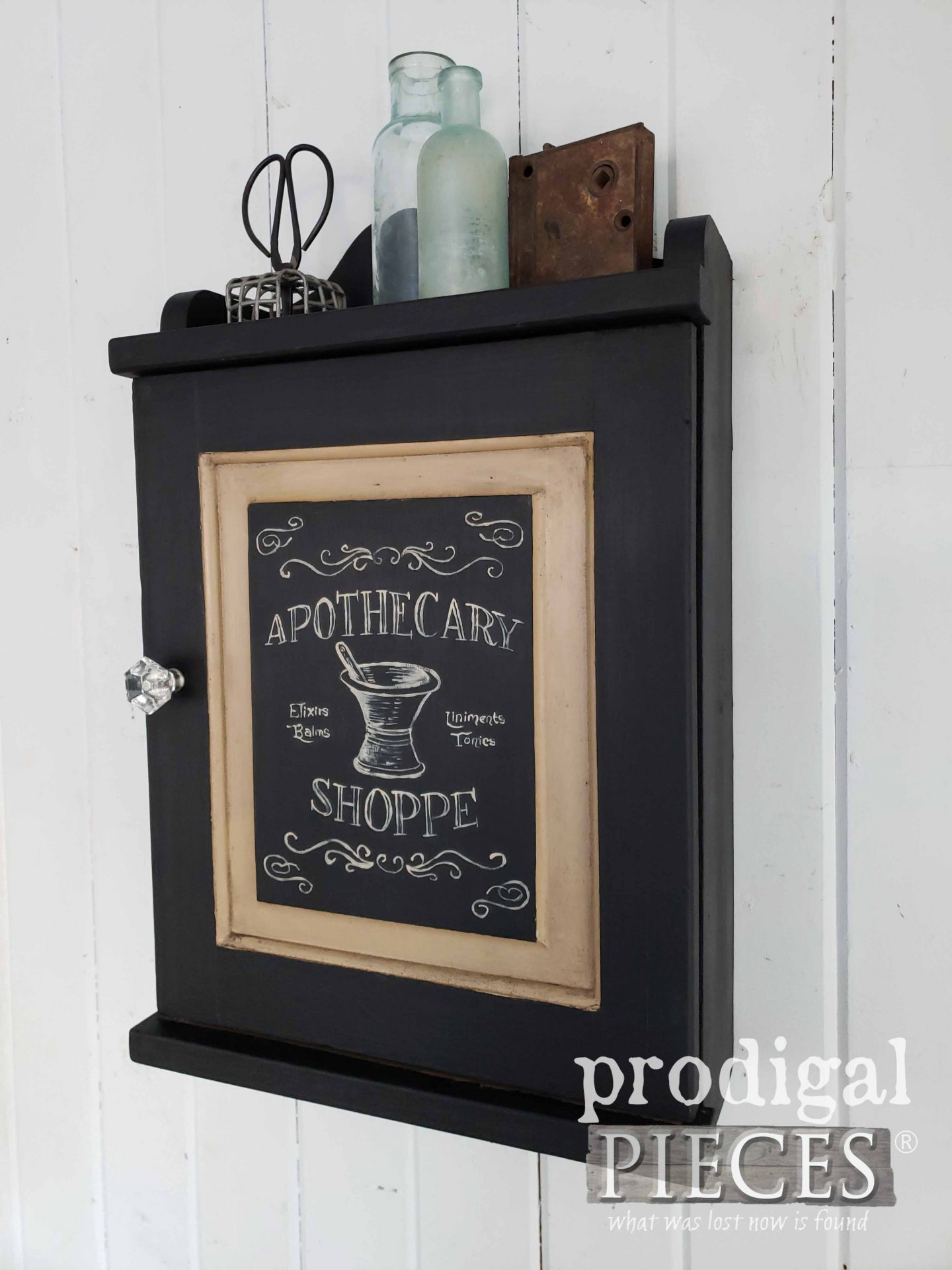 Black Apothecary Cabinet by Larissa of Prodigal Pieces | prodigalpieces.com #prodigalpieces #farmhouse #vintage #home #diy #homedecor
