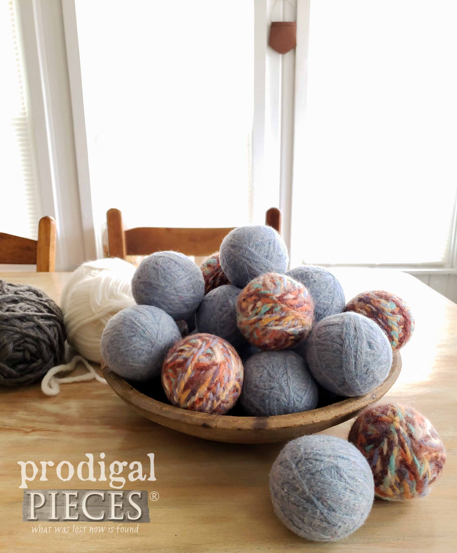 Felted Wool Dryer Balls by Larissa of Prodigal Pieces | prodigalpieces.com #prodigalpieces #diy #farmhouse #crafts #home
