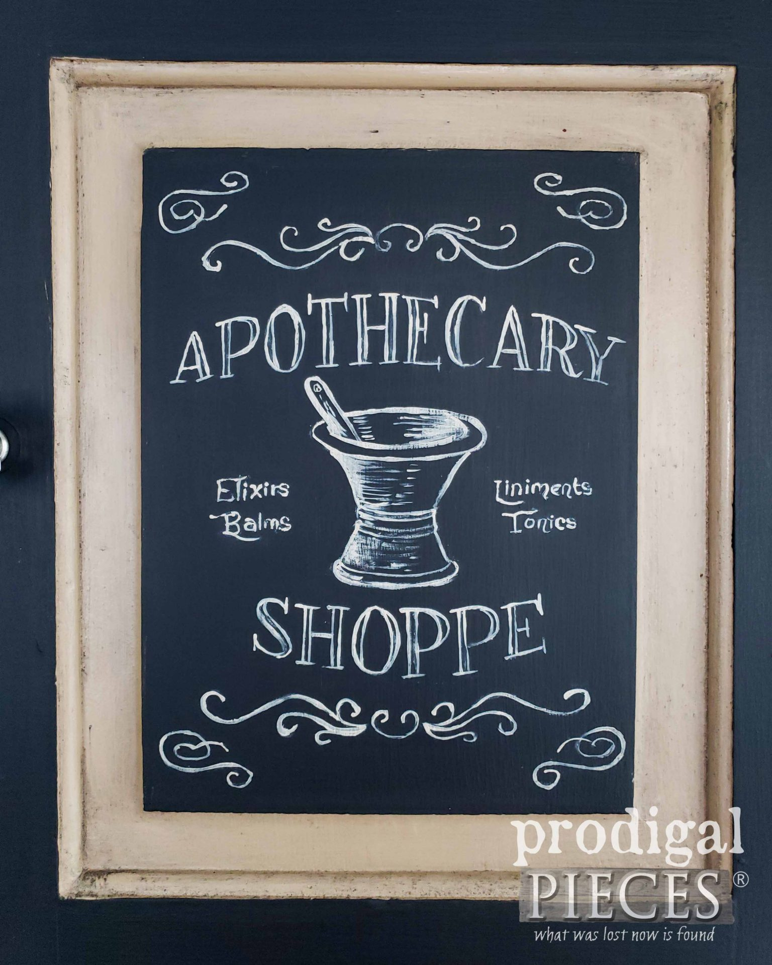 Hand-Painted Apothecary Art by Larissa of Prodigal Pieces | prodigalpieces.com #prodigalpieces #vintage #handmade #farmhouse #home #homedecor