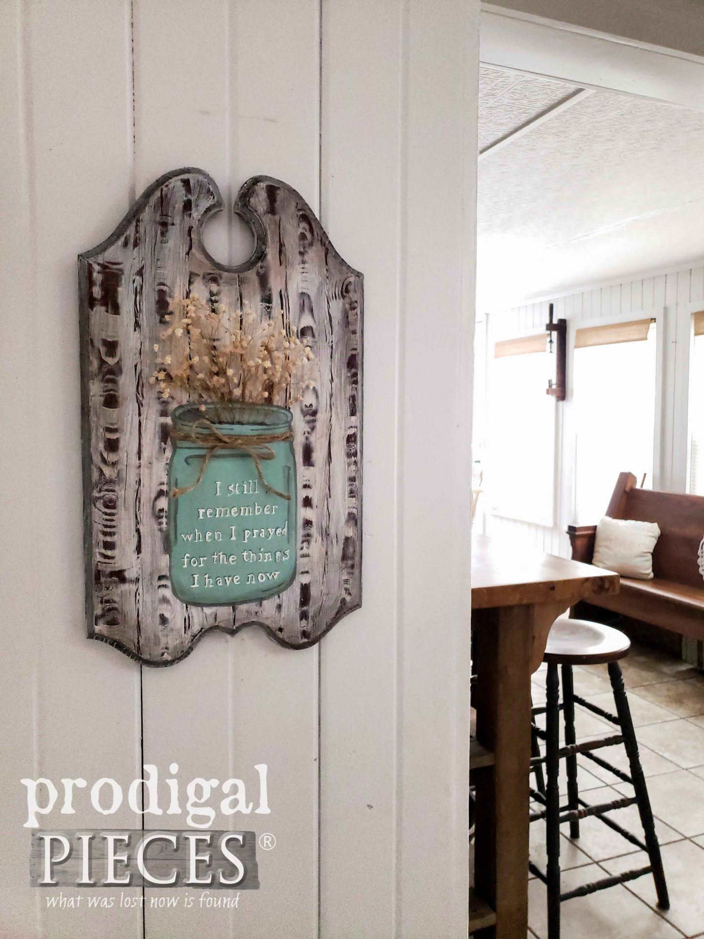 Handmade Farmhouse Blessings Sign by Larissa of Prodigal Pieces | prodigalpieces.com #prodigalpieces #diy #home #farmhouse #homedecor #diy