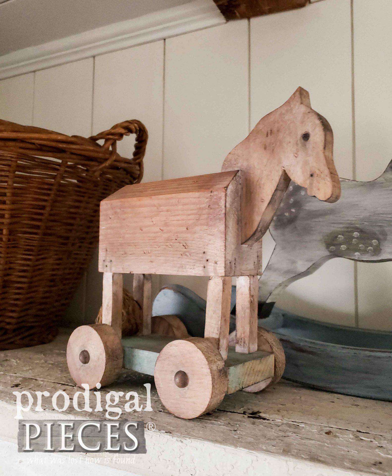 Handmade Farmhouse Hobby Horse by Larissa of Prodigal Pieces | prodigalpieces.com #prodigalpieces #horse #farmhouse #diy #home #homedecor