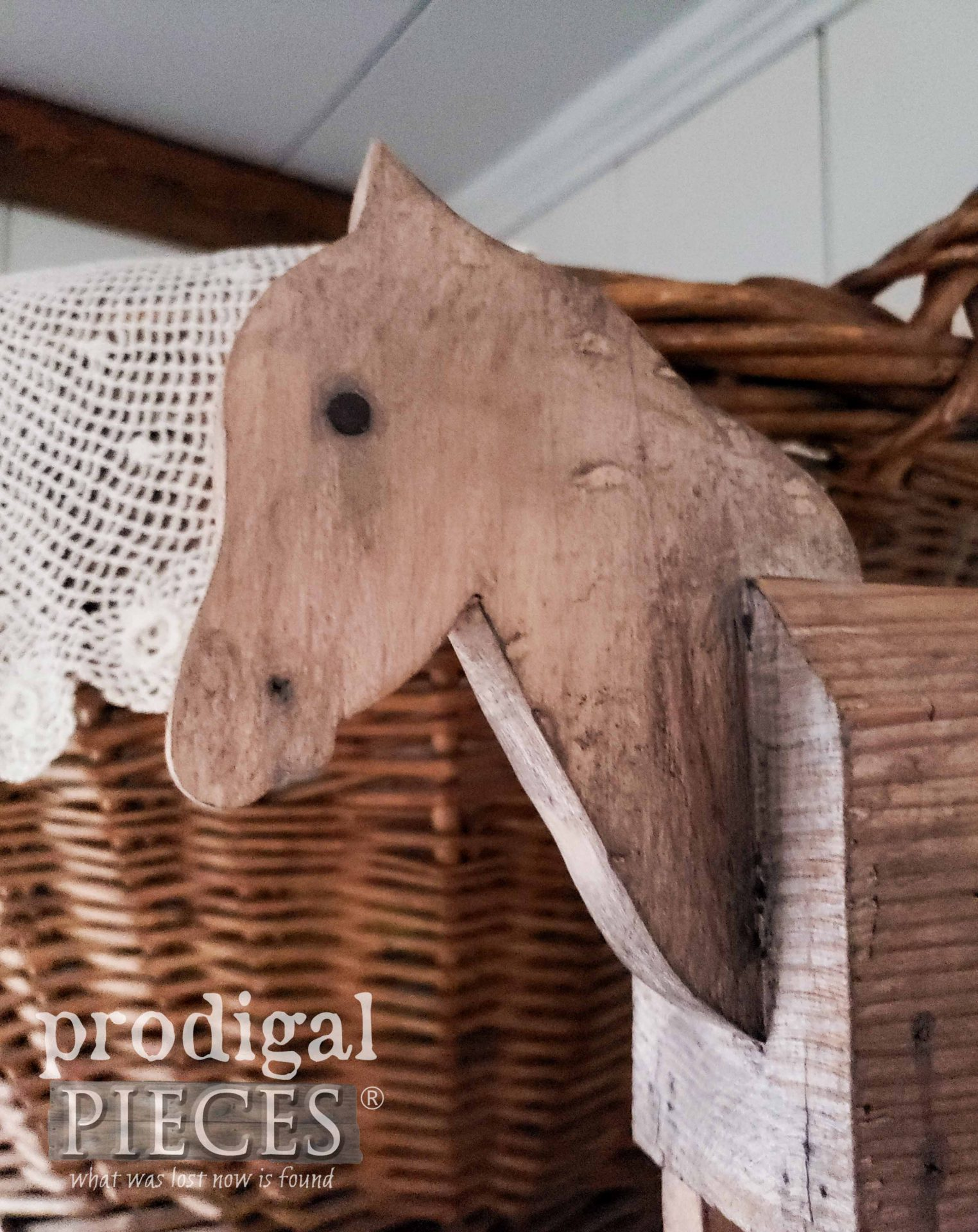 Rustic Hobby Horse Head by Prodigal Pieces | prodigalpieces.com #prodigalpieces #farmhouse