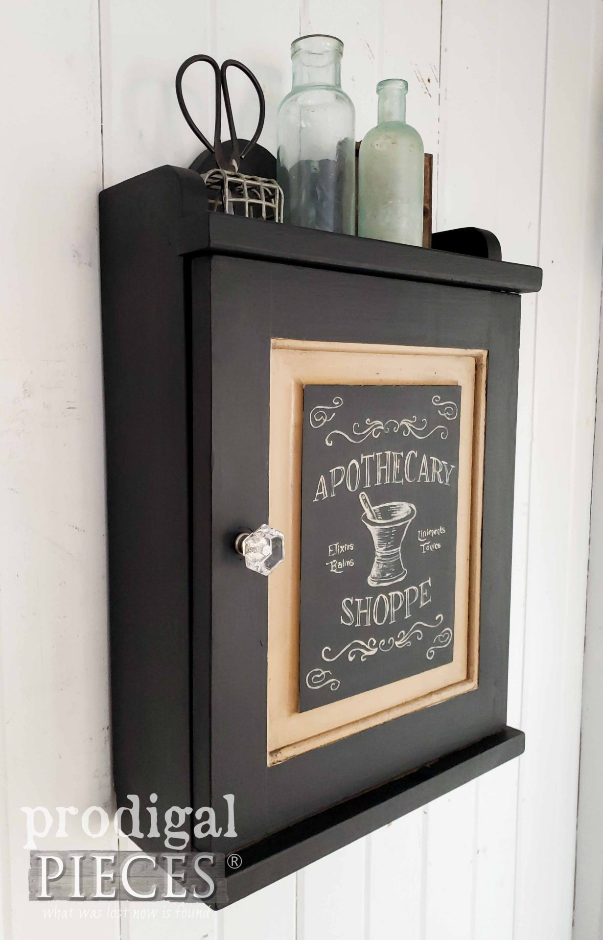 Industrial Farmhouse Black Medicine Cabinet by Larissa of Prodigal Pieces | prodigalpieces.com #prodigalpieces #home #diy #farmhouse #homedecor