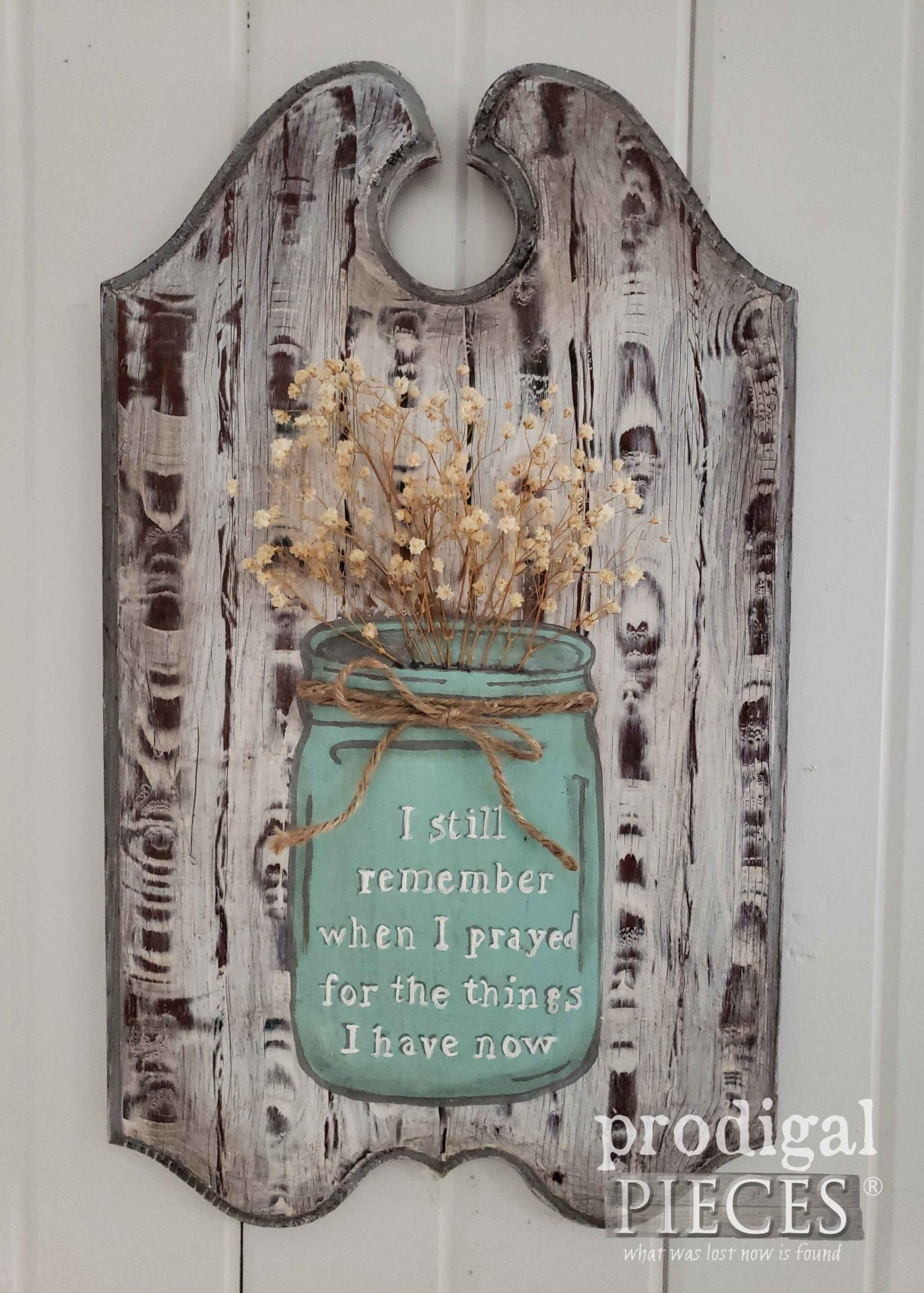 Rustic Farmhouse Blessings Sign with Canning Jar Art by Larissa of Prodigal Pieces | prodigalpieces.com #prodigalpieces #farmhouse #art #diy #home #handmade #homedecor