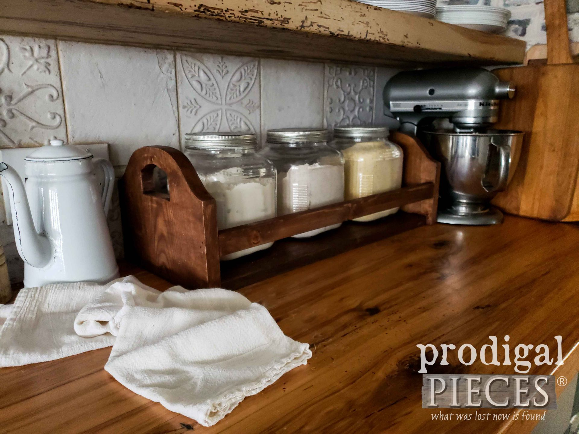 Rustic Farmhouse Kitchen Crate for Extra Storage and Style by Larissa of Prodigal Pieces | prodigalpieces.com #prodigalpieces #diy #home #farmhouse #kitchen #homedecor #storage
