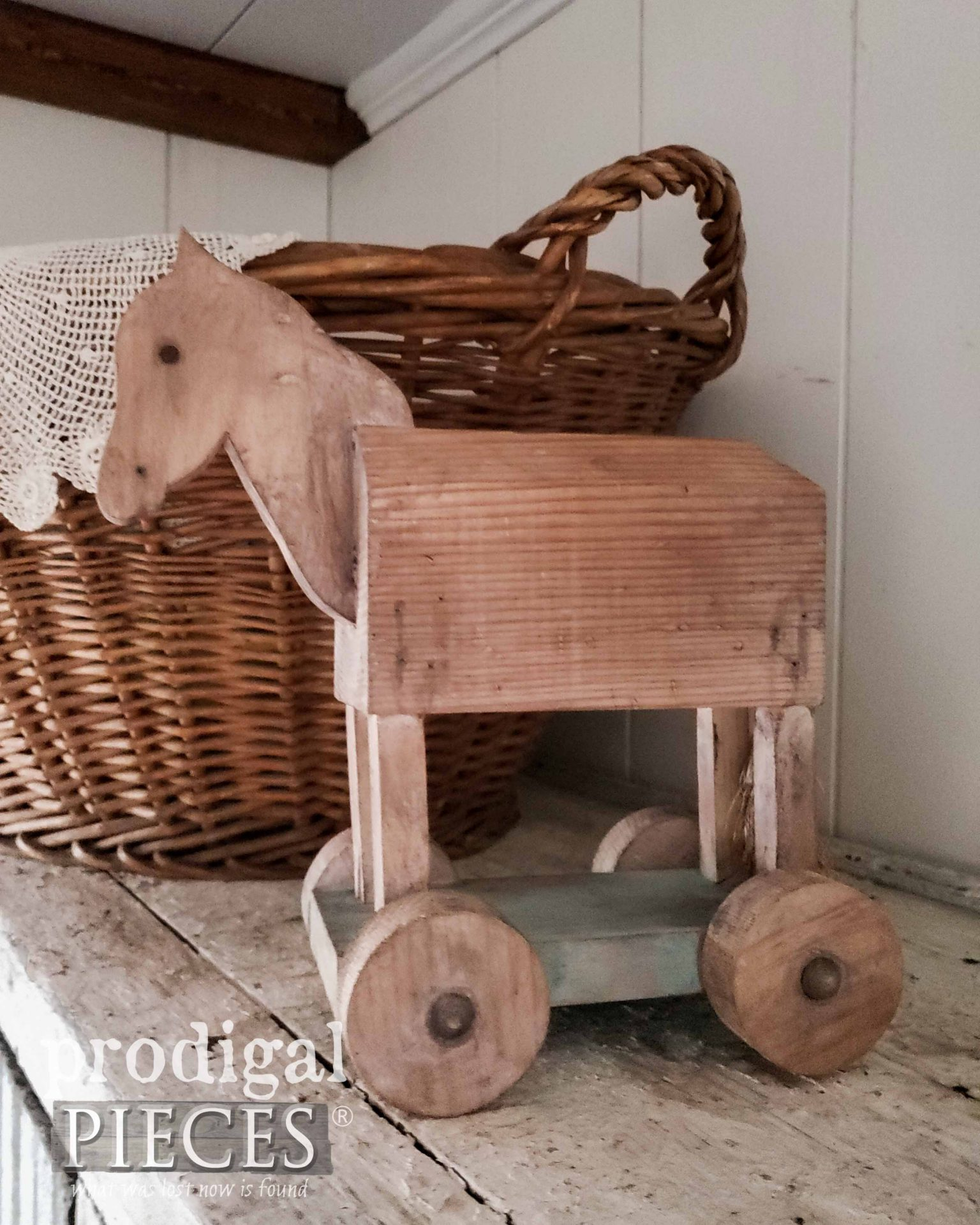 Small Wooden Hobby Horse by Prodigal Pieces | prodigalpieces.com #prodigalpieces #diy #home #homedecor #farmhouse