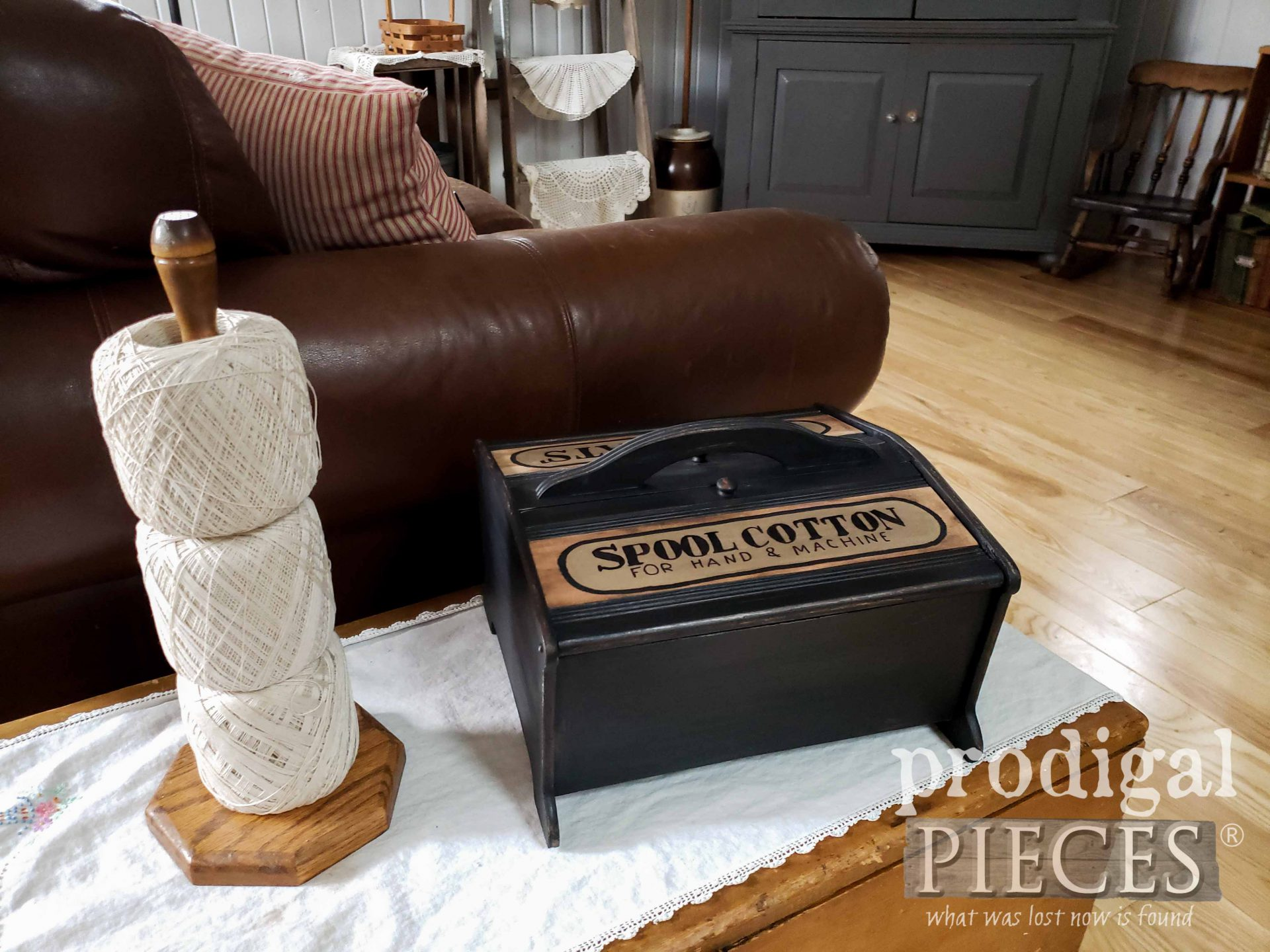 Upcycled Vintage Sewing Box for Farmhouse Storage by Larissa of Prodigal Pieces | prodigalpieces.com #prodigalpieces #diy #home #farmhouse #homedecor