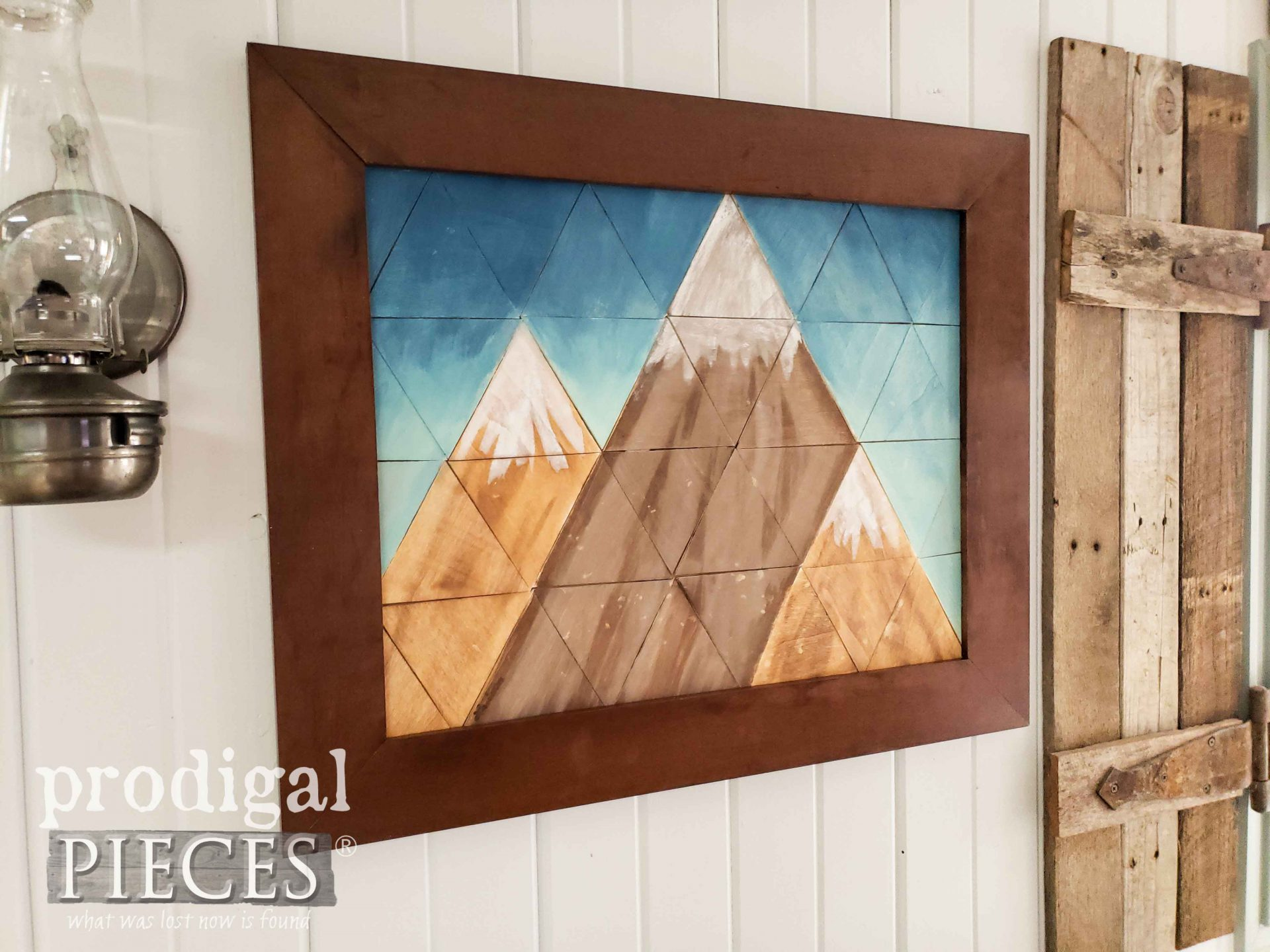 DIY Farmhouse Mountain Wall Art by Larissa of Prodigal Pieces | prodigalpieces.com #prodigalpieces #diy #farmhouse #home #art #homedecor