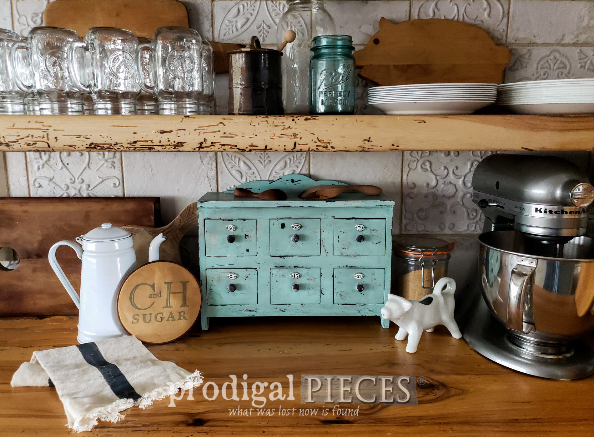 Featured Apothecary Cubby from a Thrift Store Find by Larissa of Prodigal Pieces | prodigalpieces.com #prodigalpieces #farmhouse #diy #home #homedecor #vintage
